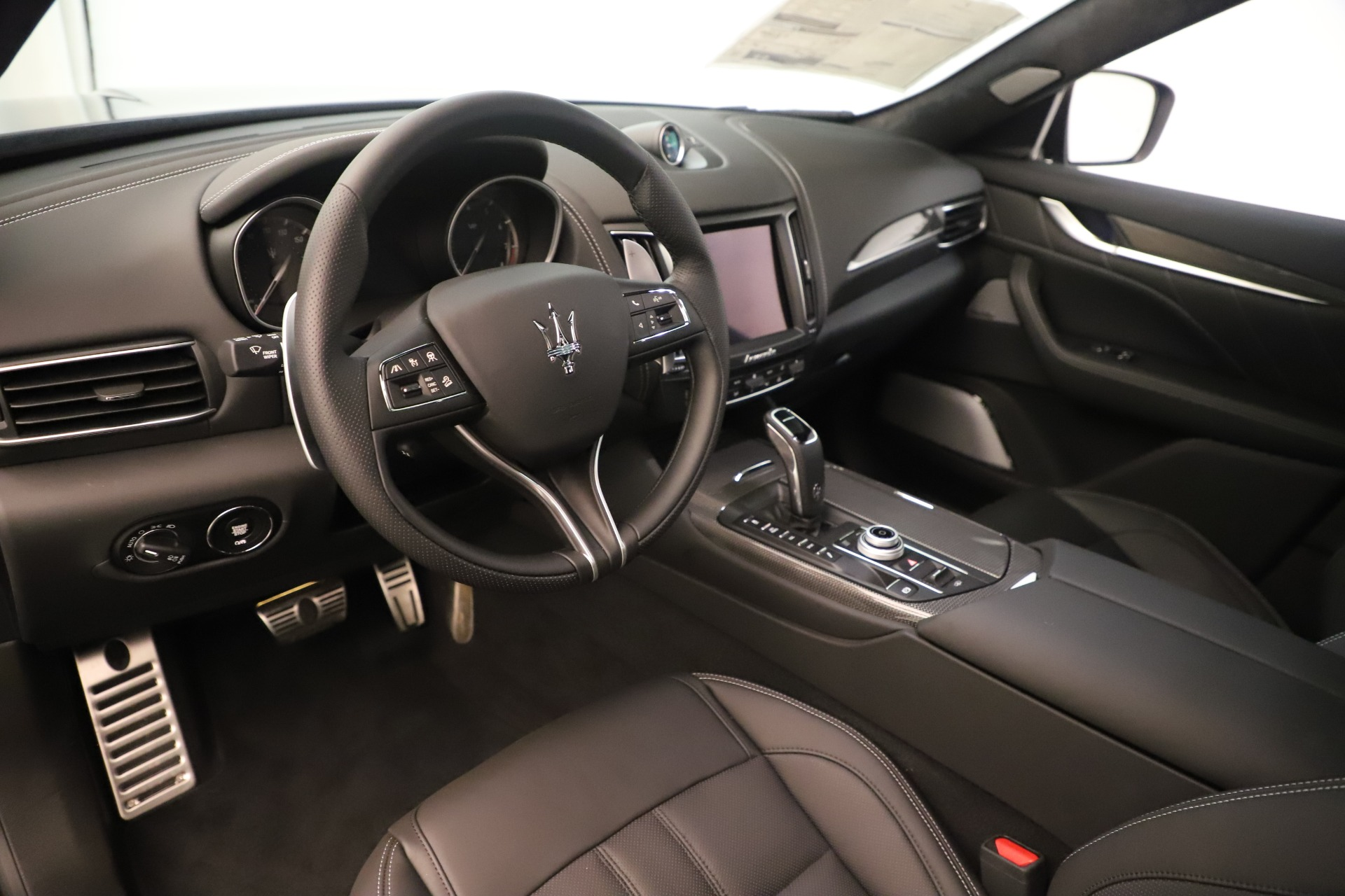 New 2019 Maserati Levante GTS For Sale In Greenwich, CT. Alfa Romeo of Greenwich, M2287 3091_p13