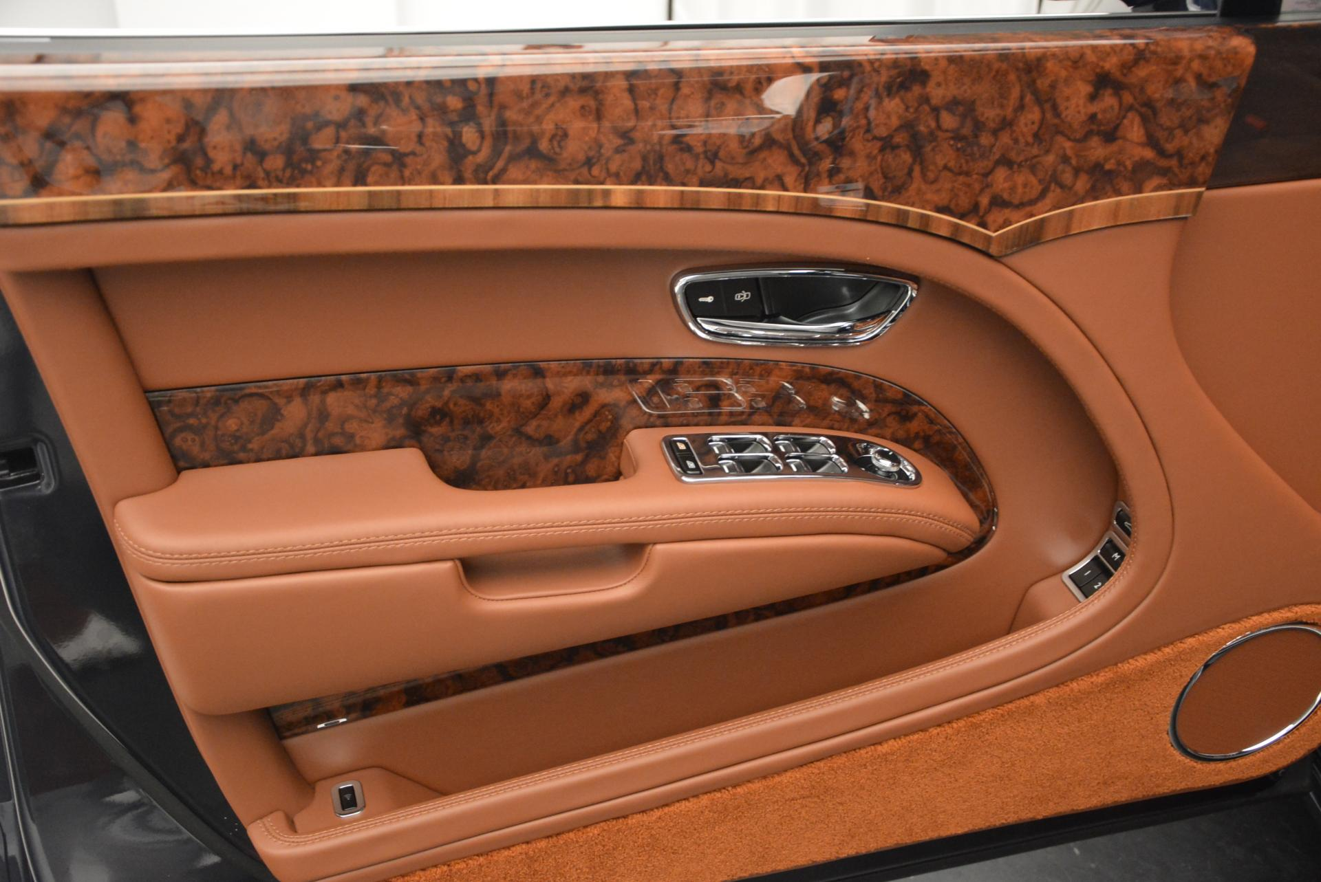 Used 2016 Bentley Mulsanne Speed For Sale In Greenwich, CT. Alfa Romeo of Greenwich, B1089 31_p15
