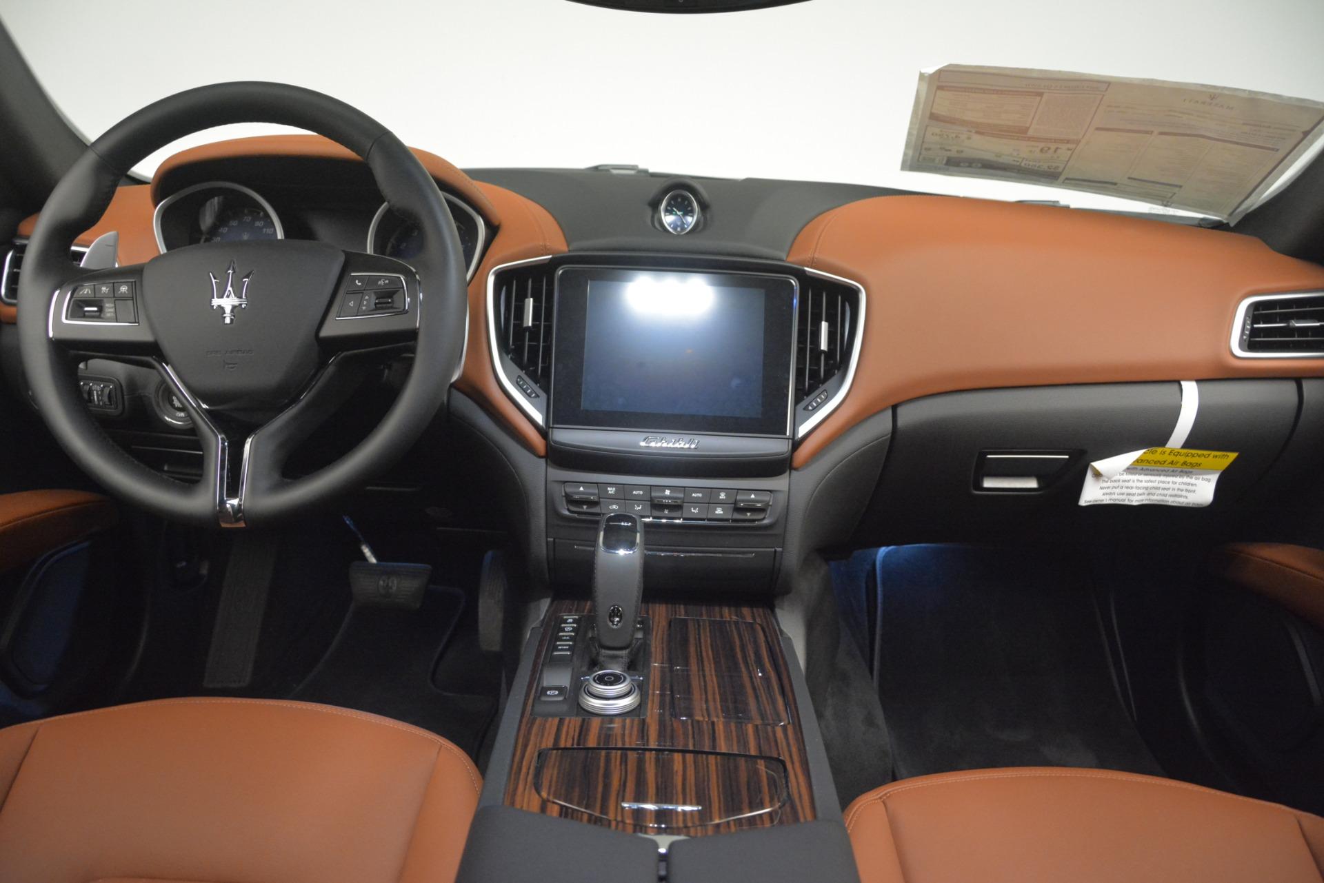 New 2019 Maserati Ghibli S Q4 For Sale In Greenwich, CT. Alfa Romeo of Greenwich, M2290 3106_p16