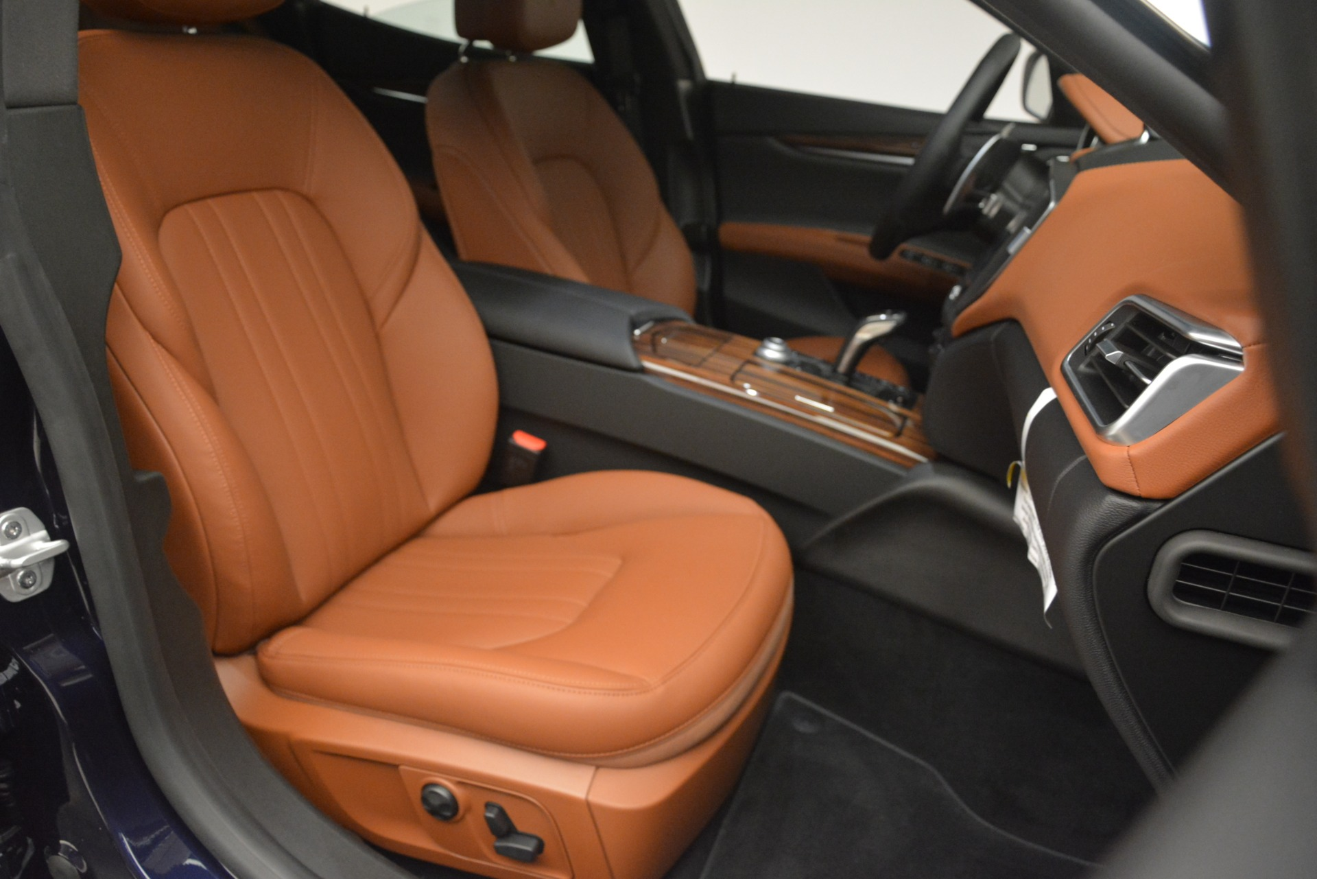 New 2019 Maserati Ghibli S Q4 For Sale In Greenwich, CT. Alfa Romeo of Greenwich, M2290 3106_p23
