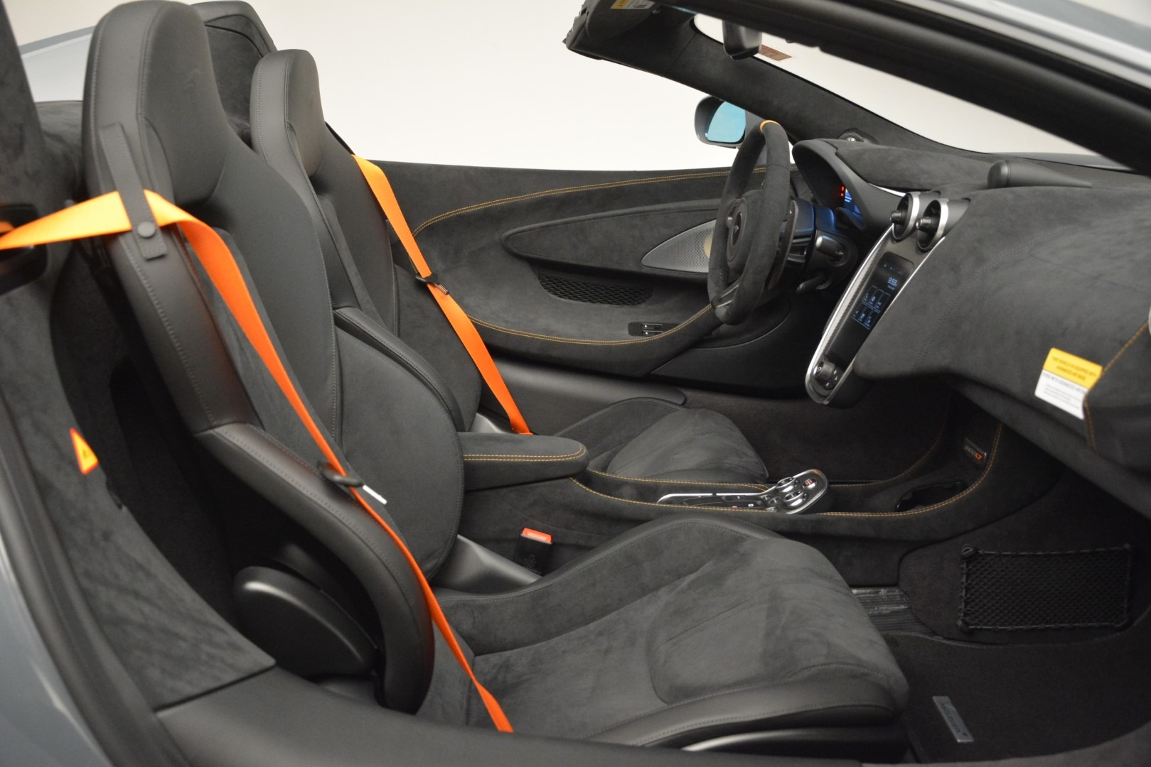 New 2020 McLaren 600LT Spider Convertible For Sale In Greenwich, CT. Alfa Romeo of Greenwich, MC423 3110_p28