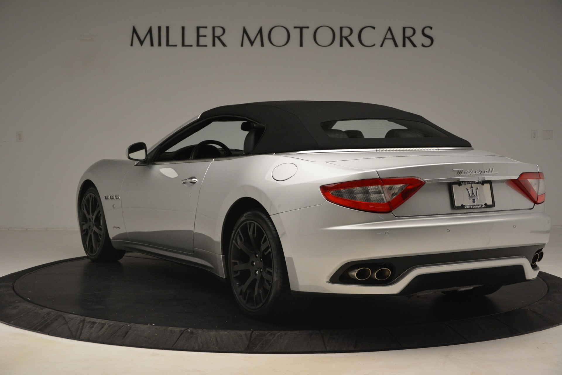 Used 2016 Maserati GranTurismo  For Sale In Greenwich, CT. Alfa Romeo of Greenwich, M2215A 3111_p15