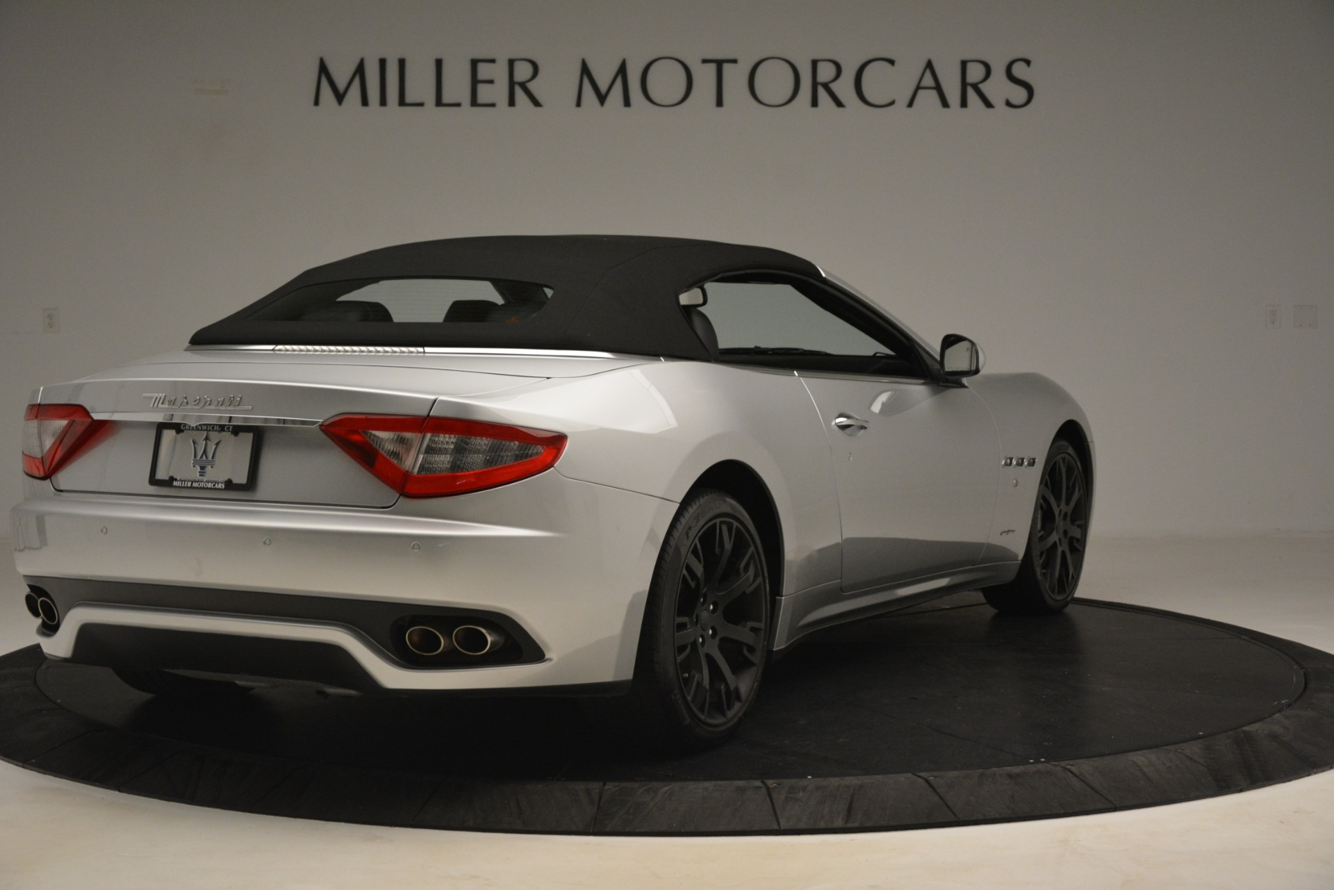 Used 2016 Maserati GranTurismo  For Sale In Greenwich, CT. Alfa Romeo of Greenwich, M2215A 3111_p16