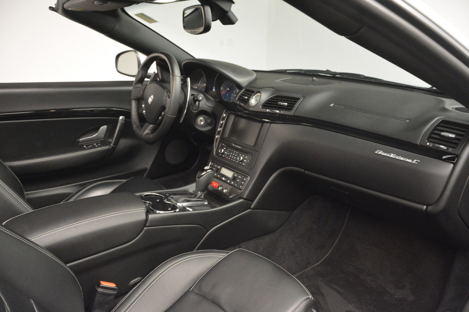 Used 2016 Maserati GranTurismo  For Sale In Greenwich, CT. Alfa Romeo of Greenwich, M2215A 3111_p24