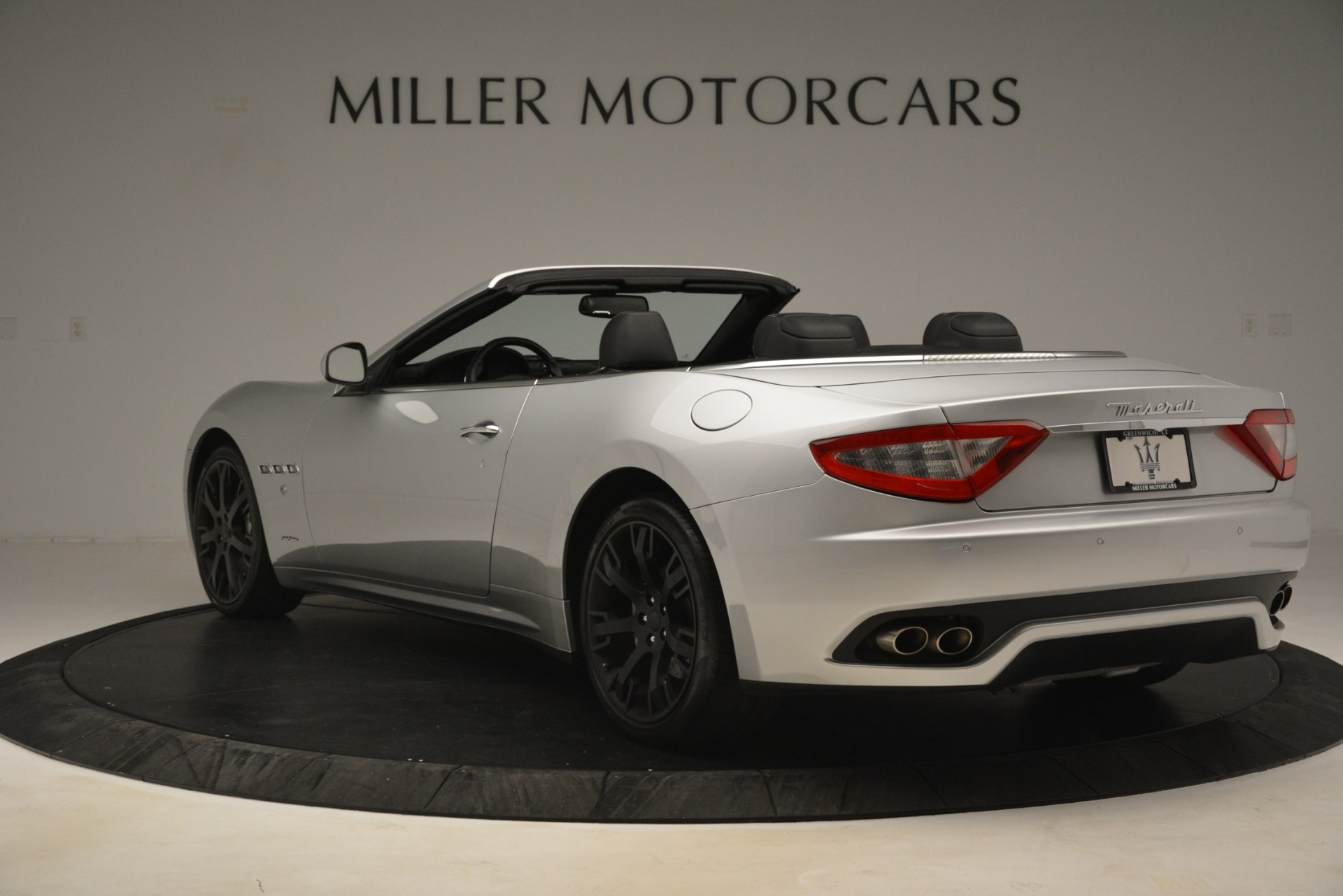 Used 2016 Maserati GranTurismo  For Sale In Greenwich, CT. Alfa Romeo of Greenwich, M2215A 3111_p5