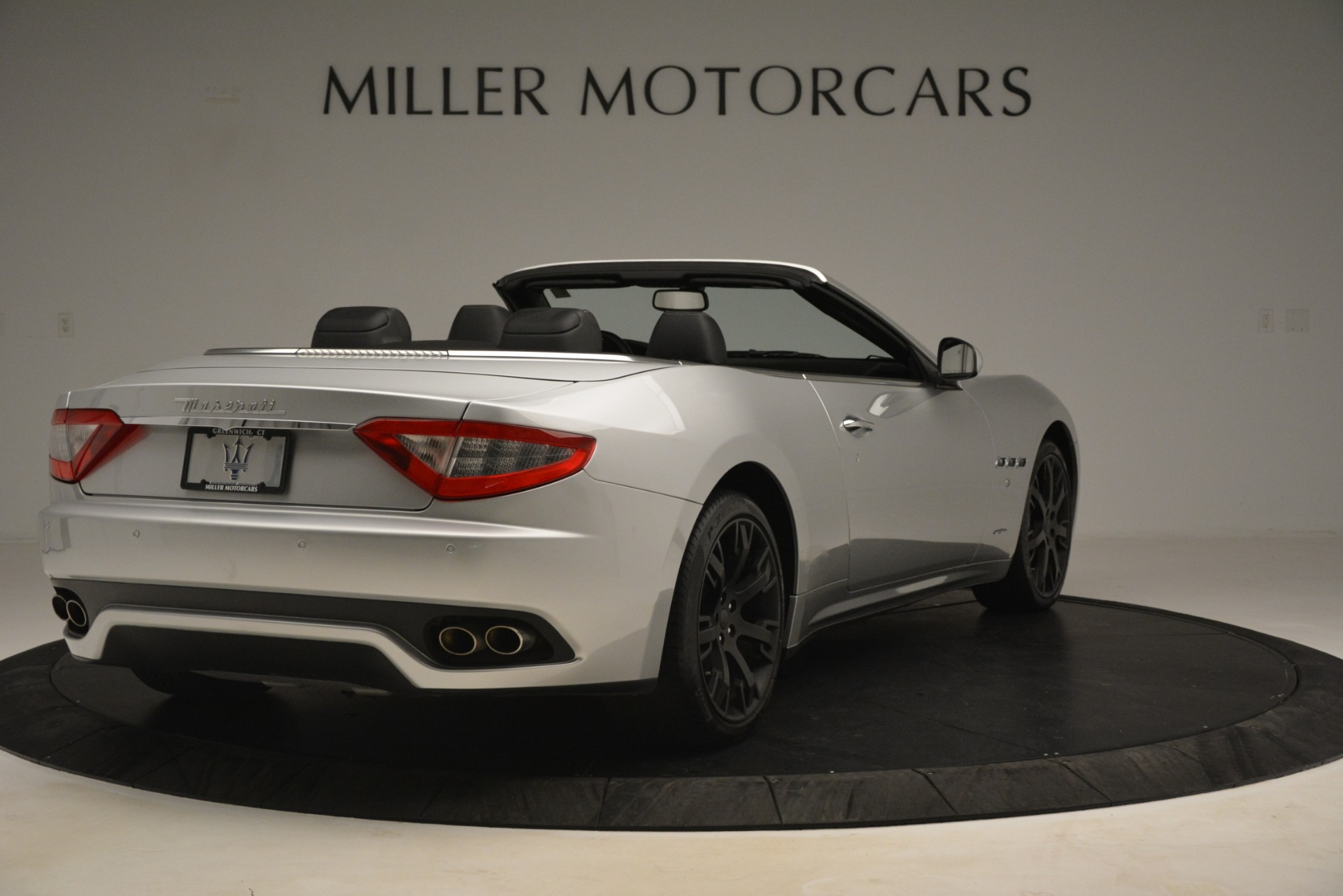 Used 2016 Maserati GranTurismo  For Sale In Greenwich, CT. Alfa Romeo of Greenwich, M2215A 3111_p7