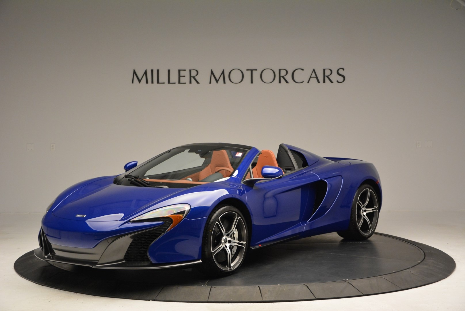 Used 2015 McLaren 650S Spider Convertible For Sale In Greenwich, CT. Alfa Romeo of Greenwich, 3161
