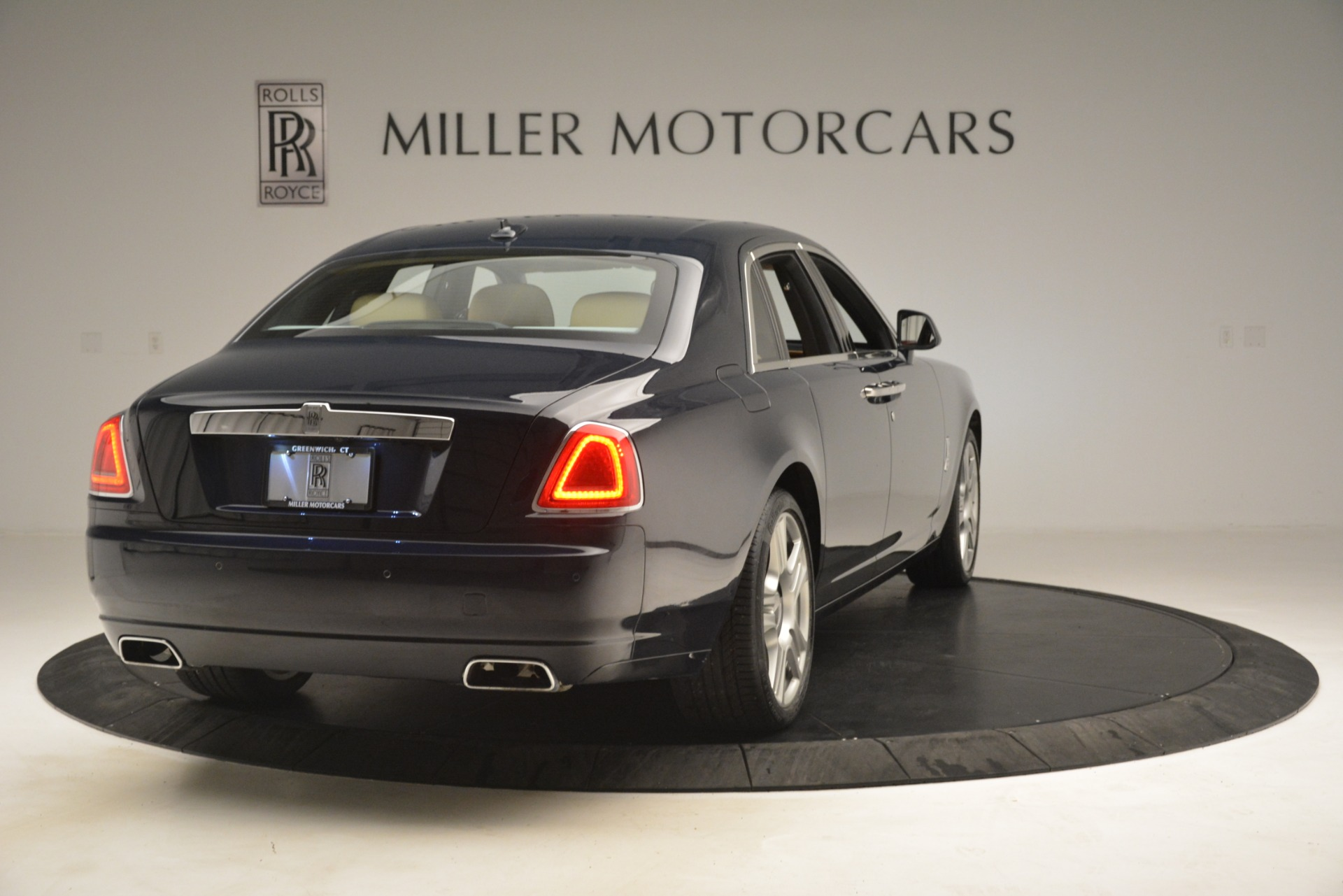 Used 2015 Rolls-Royce Ghost  For Sale In Greenwich, CT. Alfa Romeo of Greenwich, 7445A 3113_p10