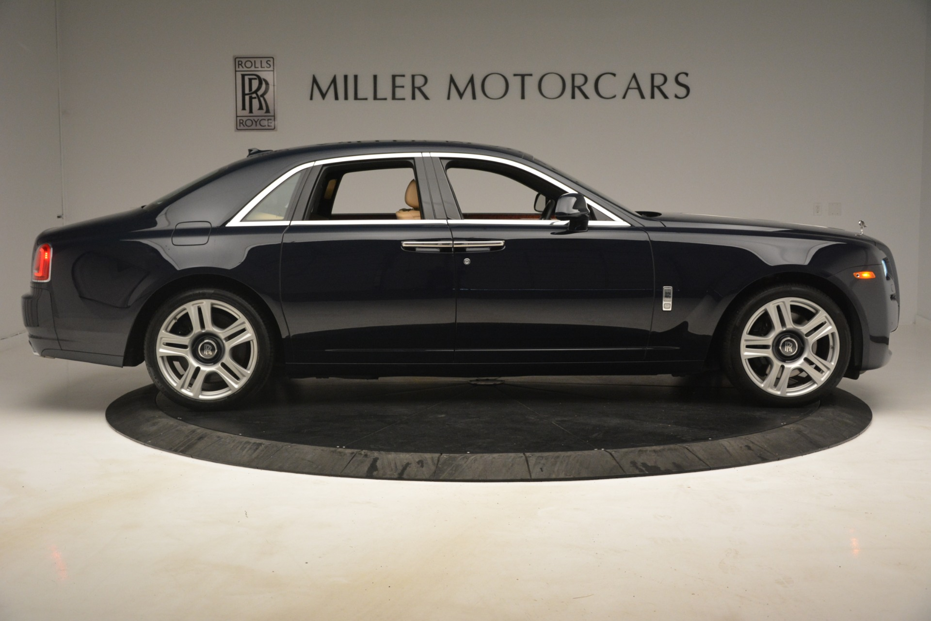 Used 2015 Rolls-Royce Ghost  For Sale In Greenwich, CT. Alfa Romeo of Greenwich, 7445A 3113_p12