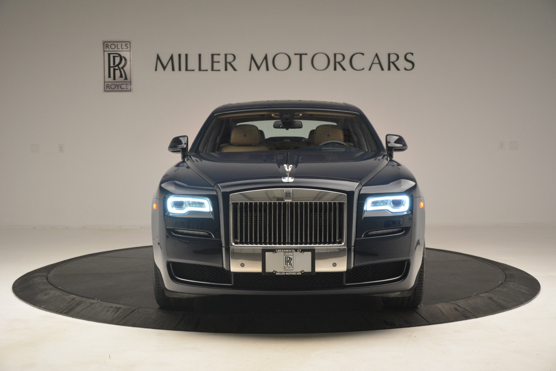 Used 2015 Rolls-Royce Ghost  For Sale In Greenwich, CT. Alfa Romeo of Greenwich, 7445A 3113_p2