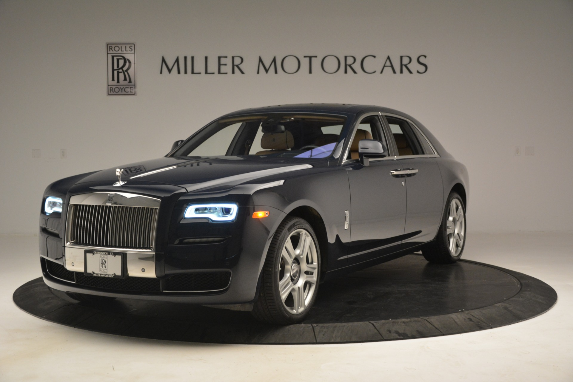 Used 2015 Rolls-Royce Ghost  For Sale In Greenwich, CT. Alfa Romeo of Greenwich, 7445A 3113_p3