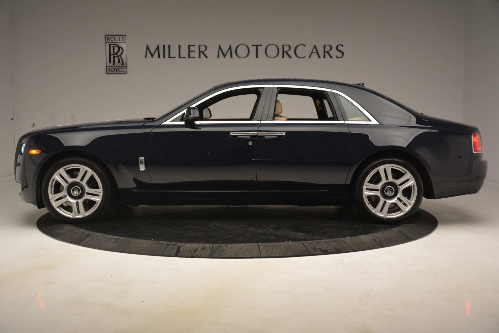 Used 2015 Rolls-Royce Ghost  For Sale In Greenwich, CT. Alfa Romeo of Greenwich, 7445A 3113_p5