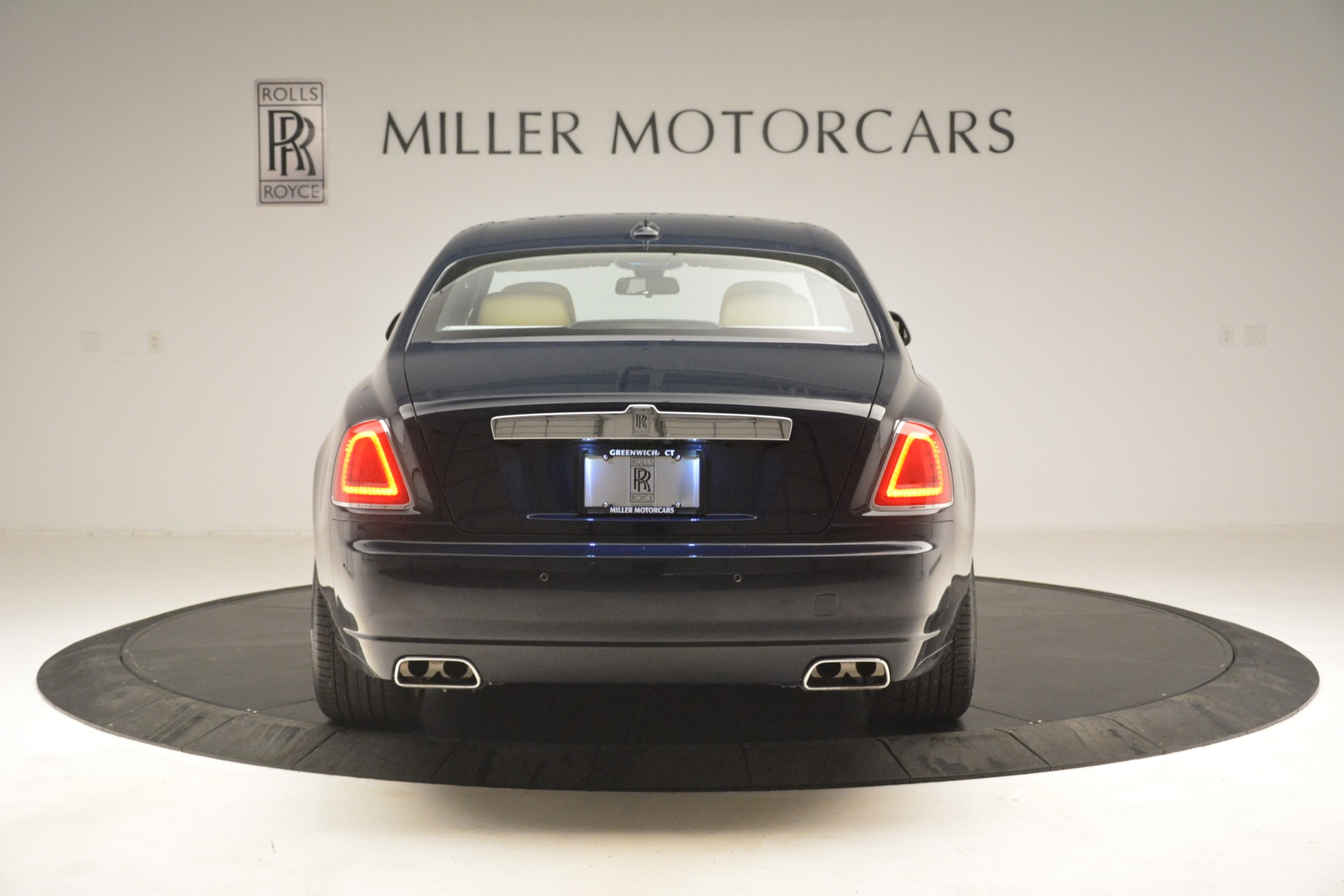 Used 2015 Rolls-Royce Ghost  For Sale In Greenwich, CT. Alfa Romeo of Greenwich, 7445A 3113_p9