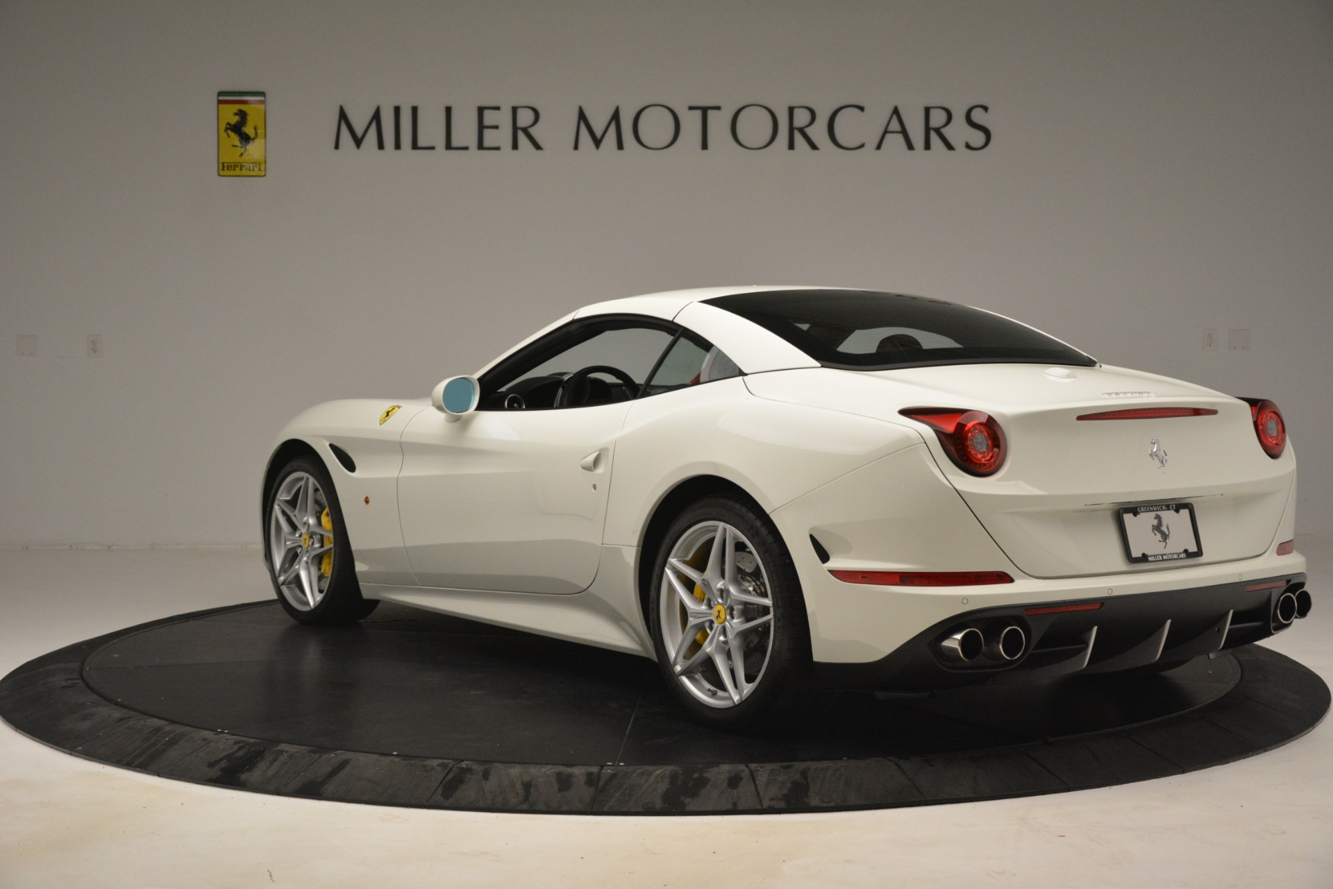 Used 2016 Ferrari California T  For Sale In Greenwich, CT. Alfa Romeo of Greenwich, 4555 3115_p15