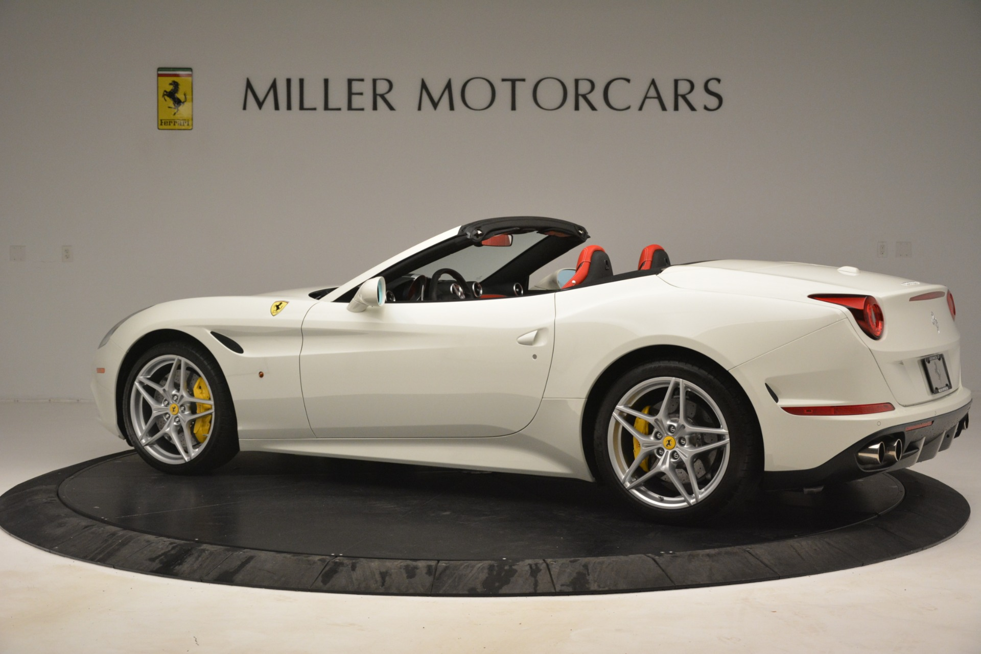Used 2016 Ferrari California T  For Sale In Greenwich, CT. Alfa Romeo of Greenwich, 4555 3115_p4