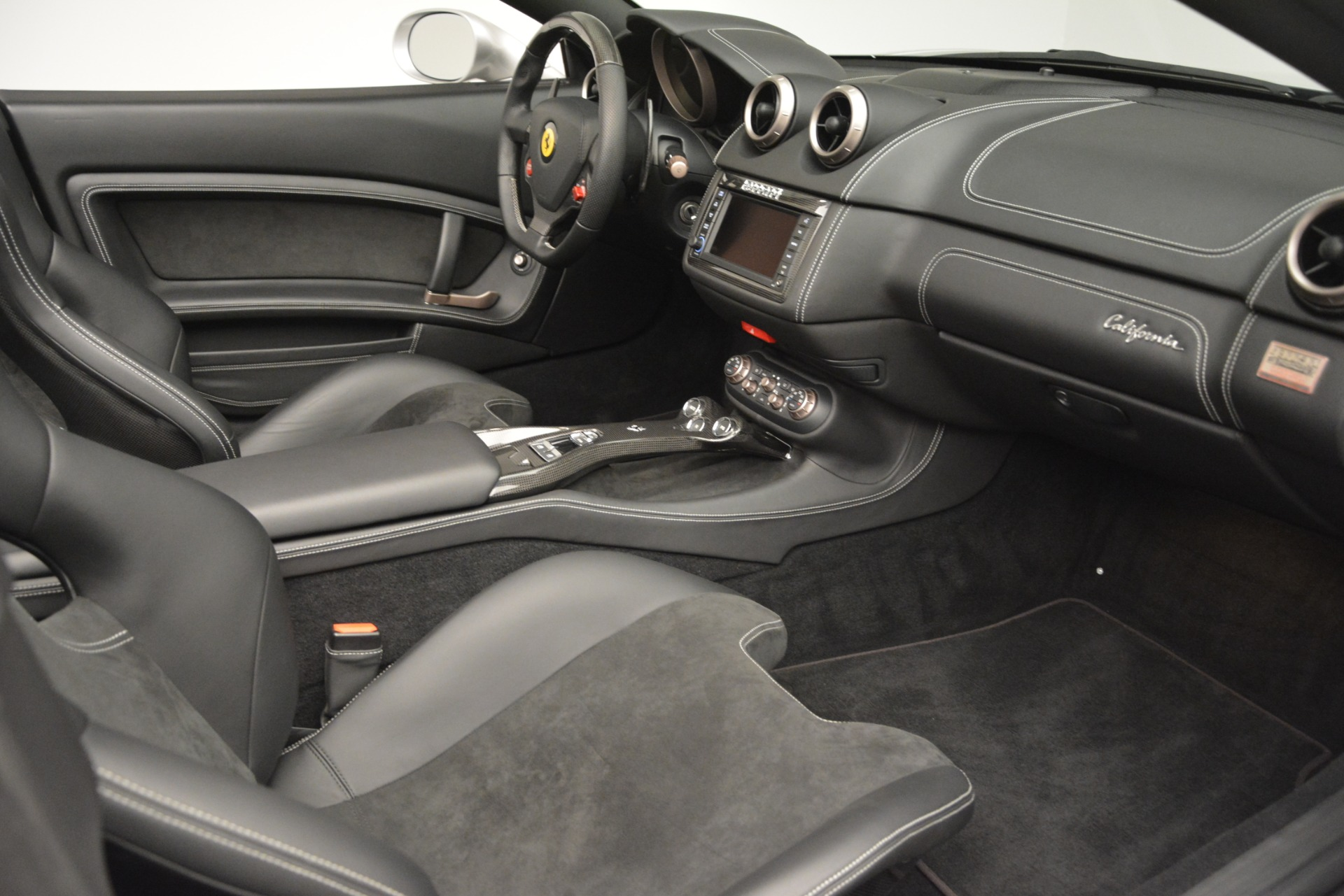 Used 2012 Ferrari California  For Sale In Greenwich, CT. Alfa Romeo of Greenwich, 4550 3117_p24