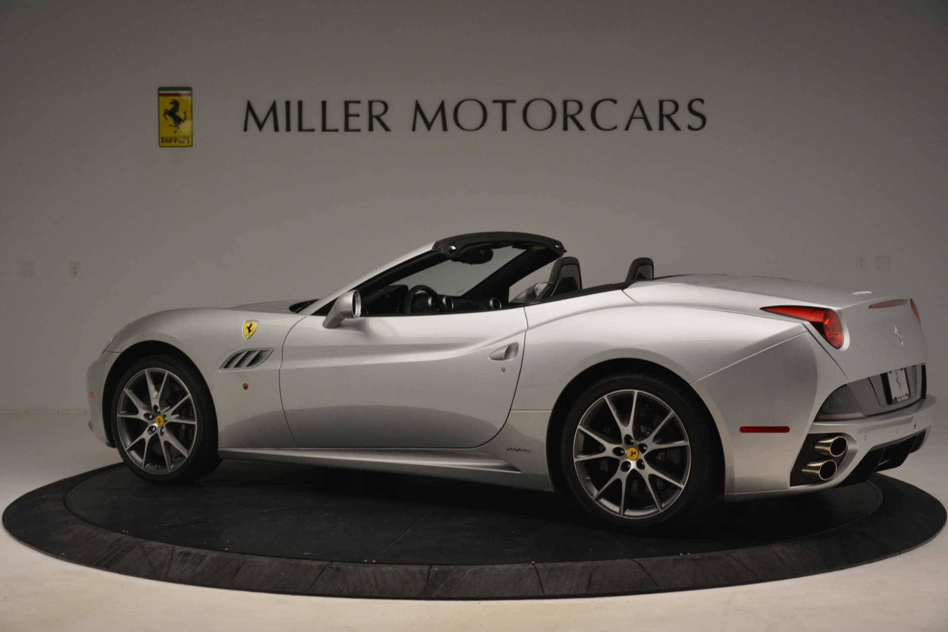 Used 2012 Ferrari California  For Sale In Greenwich, CT. Alfa Romeo of Greenwich, 4550 3117_p4