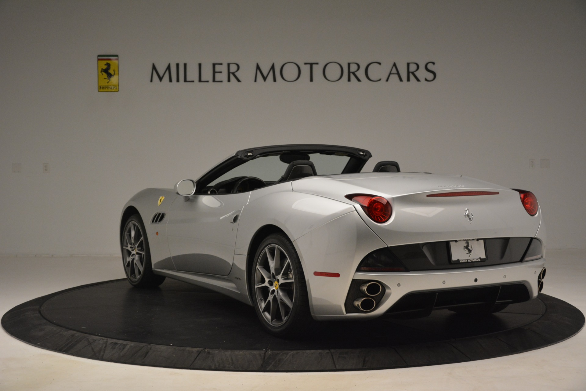 Used 2012 Ferrari California  For Sale In Greenwich, CT. Alfa Romeo of Greenwich, 4550 3117_p5