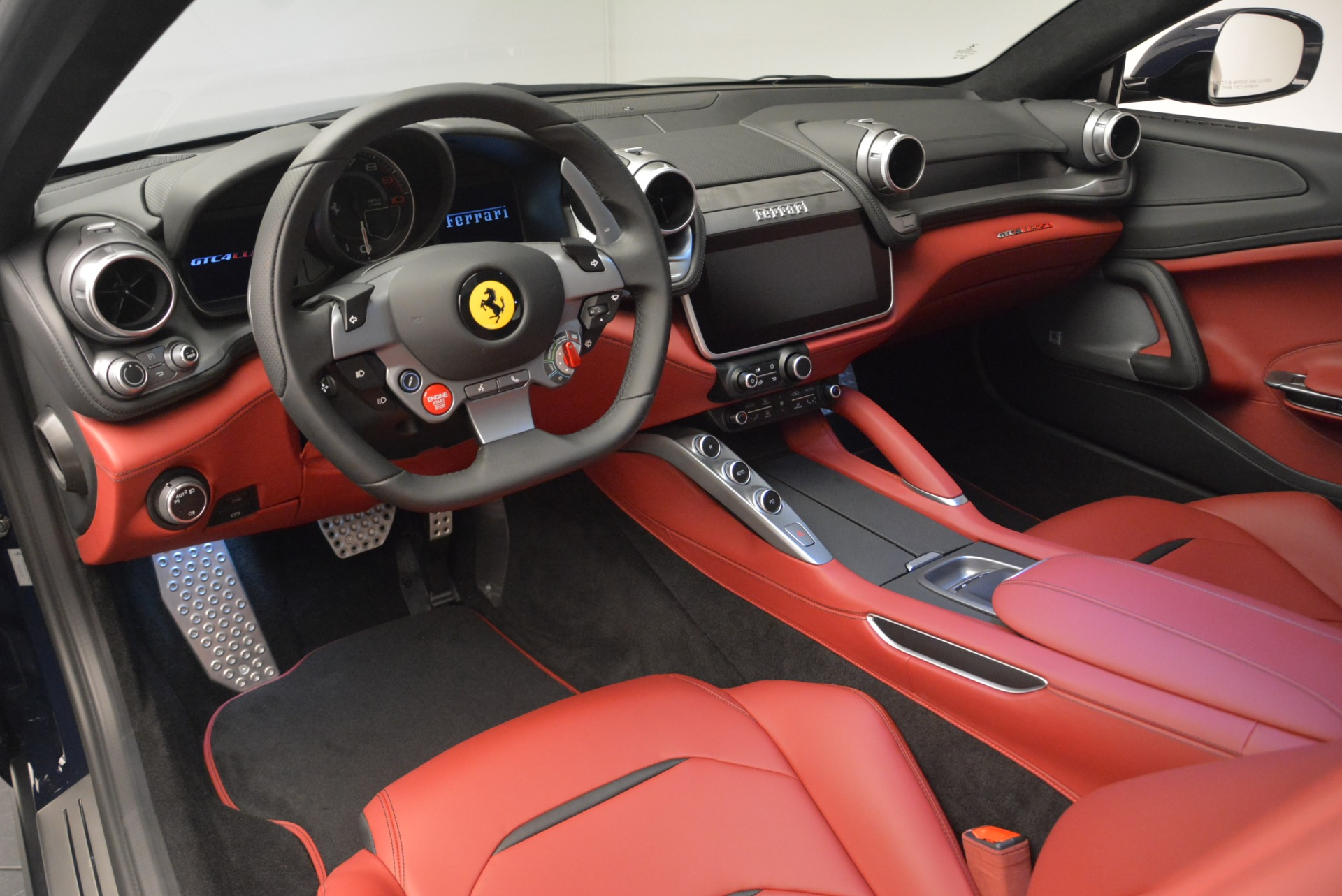 Used 2019 Ferrari GTC4Lusso  For Sale In Greenwich, CT. Alfa Romeo of Greenwich, F1978A 3118_p13
