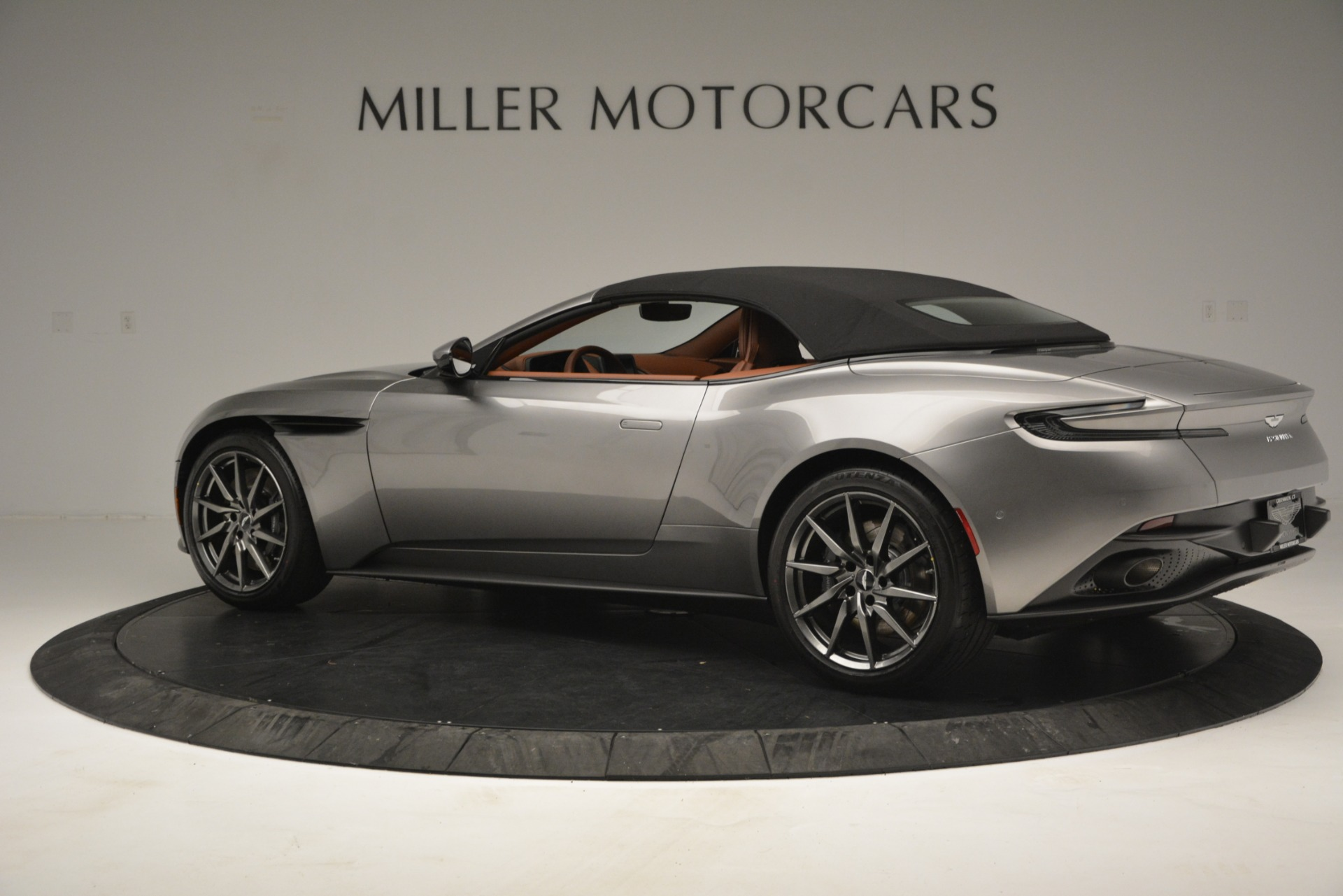 New 2019 Aston Martin DB11 V8 Convertible For Sale In Greenwich, CT. Alfa Romeo of Greenwich, A1333 3121_p15