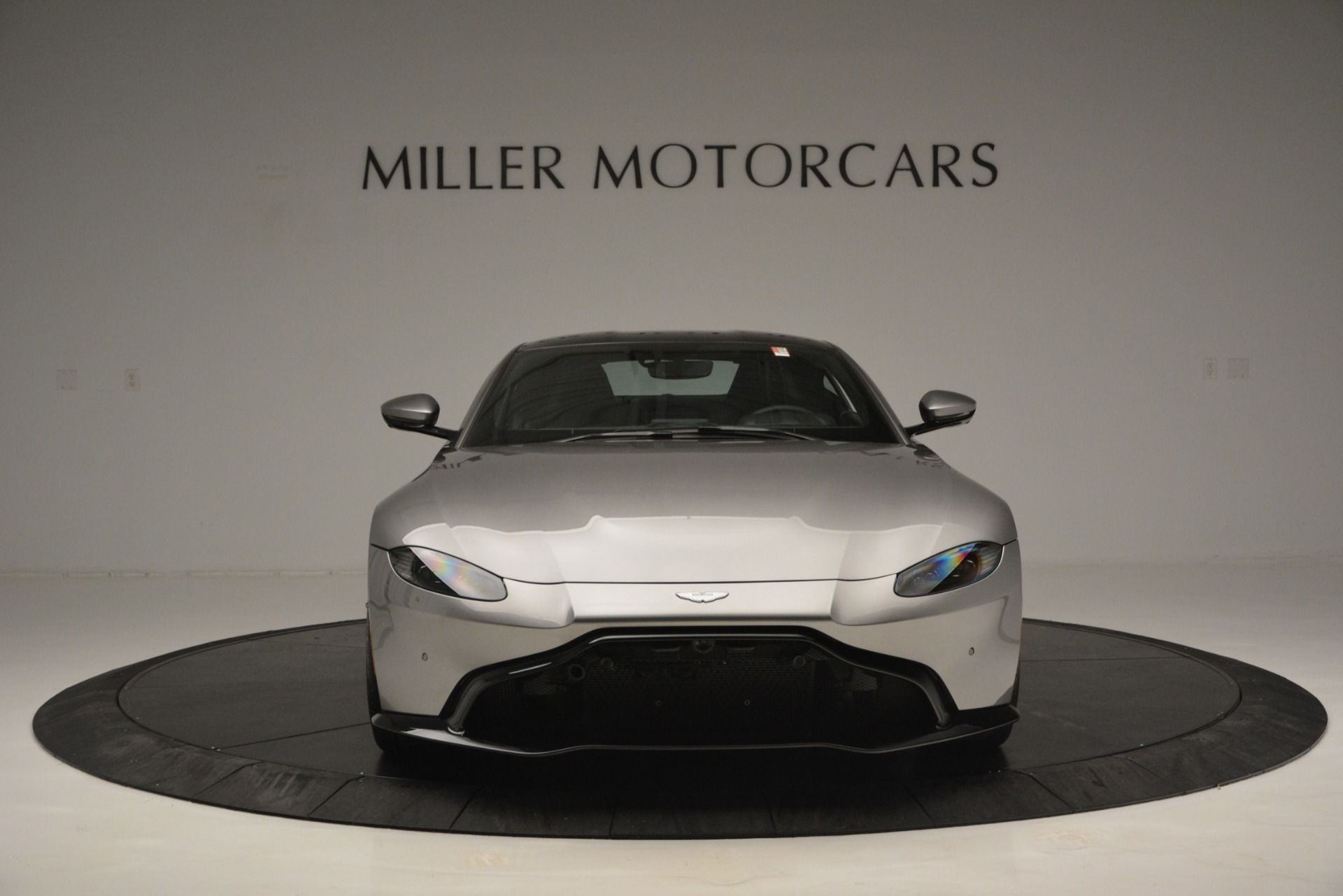 New 2019 Aston Martin Vantage Coupe For Sale In Greenwich, CT. Alfa Romeo of Greenwich, A1335 3122_p12