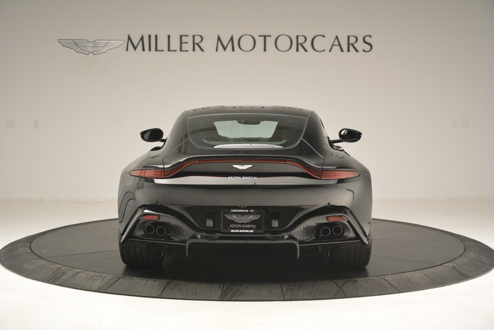 New 2019 Aston Martin Vantage Coupe For Sale In Greenwich, CT. Alfa Romeo of Greenwich, A1358 3124_p6