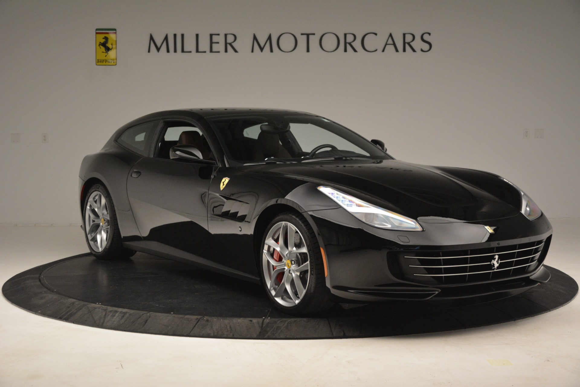 Used 2018 Ferrari GTC4Lusso T  For Sale In Greenwich, CT. Alfa Romeo of Greenwich, 4558 3125_p11