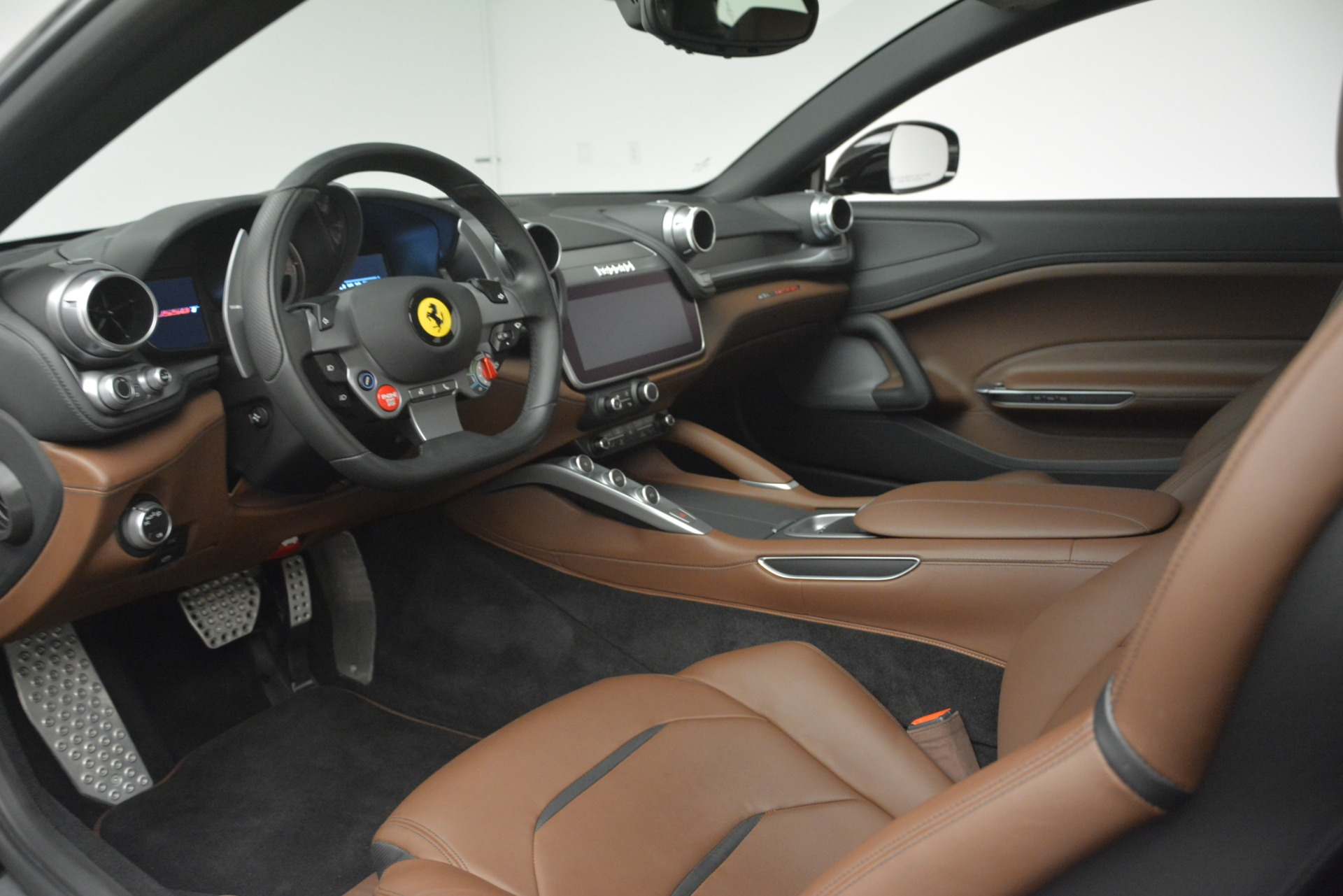 Used 2018 Ferrari GTC4Lusso T  For Sale In Greenwich, CT. Alfa Romeo of Greenwich, 4558 3125_p13