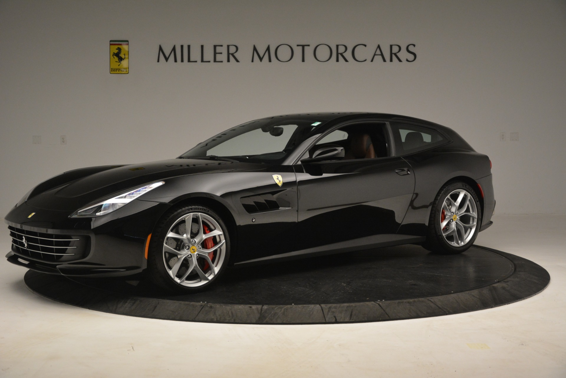 Used 2018 Ferrari GTC4Lusso T  For Sale In Greenwich, CT. Alfa Romeo of Greenwich, 4558 3125_p2