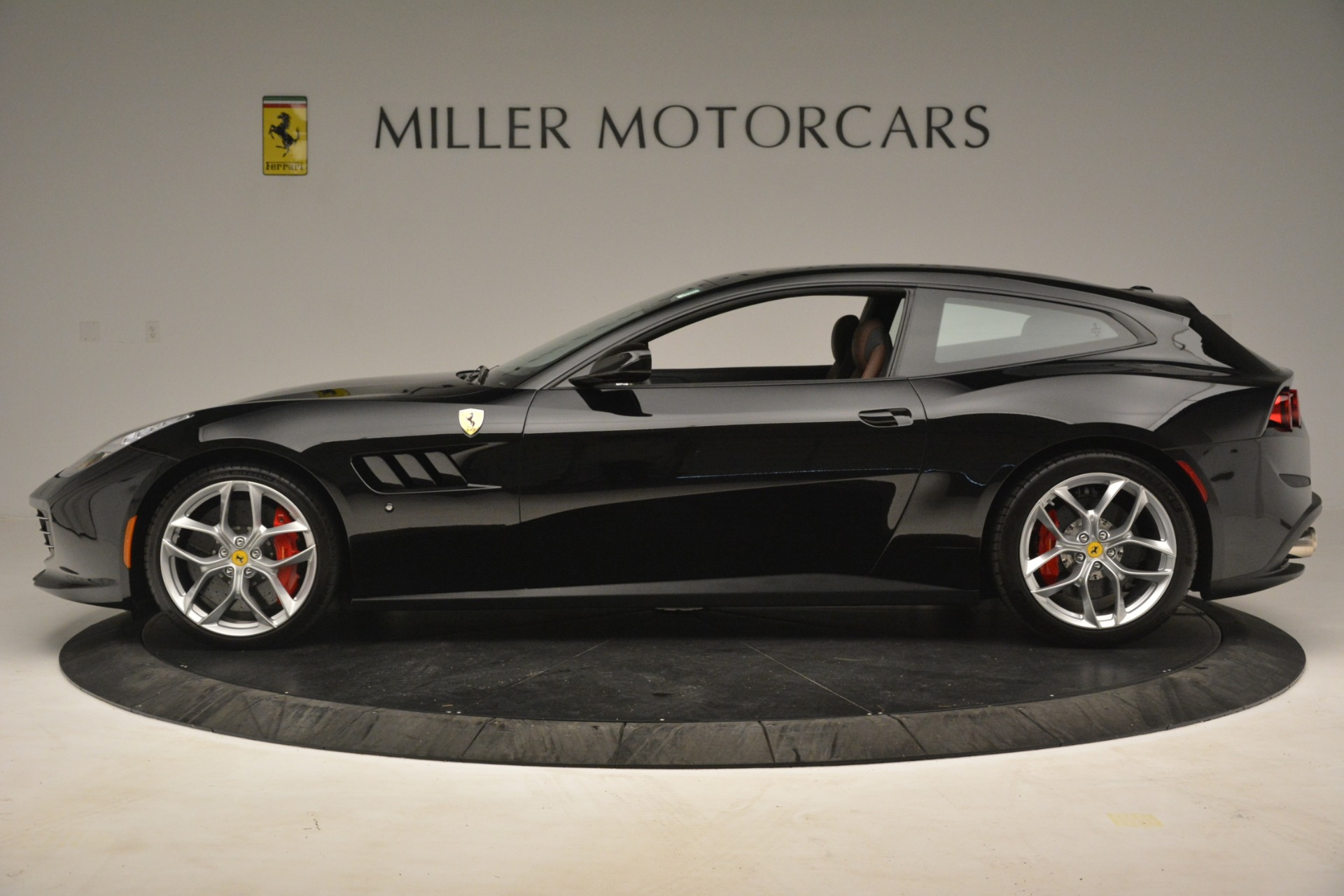 Used 2018 Ferrari GTC4Lusso T  For Sale In Greenwich, CT. Alfa Romeo of Greenwich, 4558 3125_p3