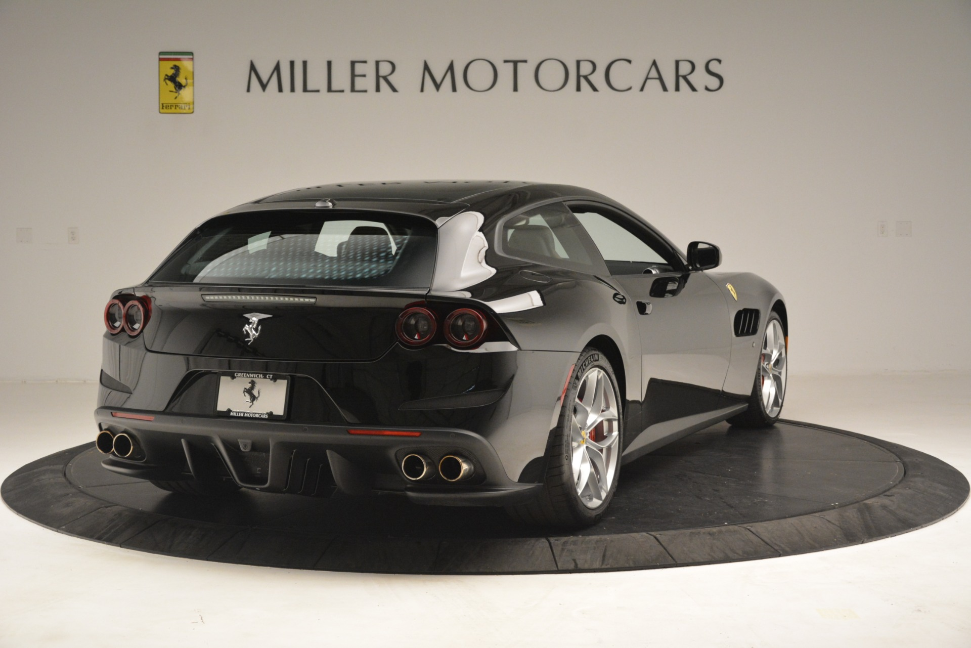 Used 2018 Ferrari GTC4Lusso T  For Sale In Greenwich, CT. Alfa Romeo of Greenwich, 4558 3125_p7