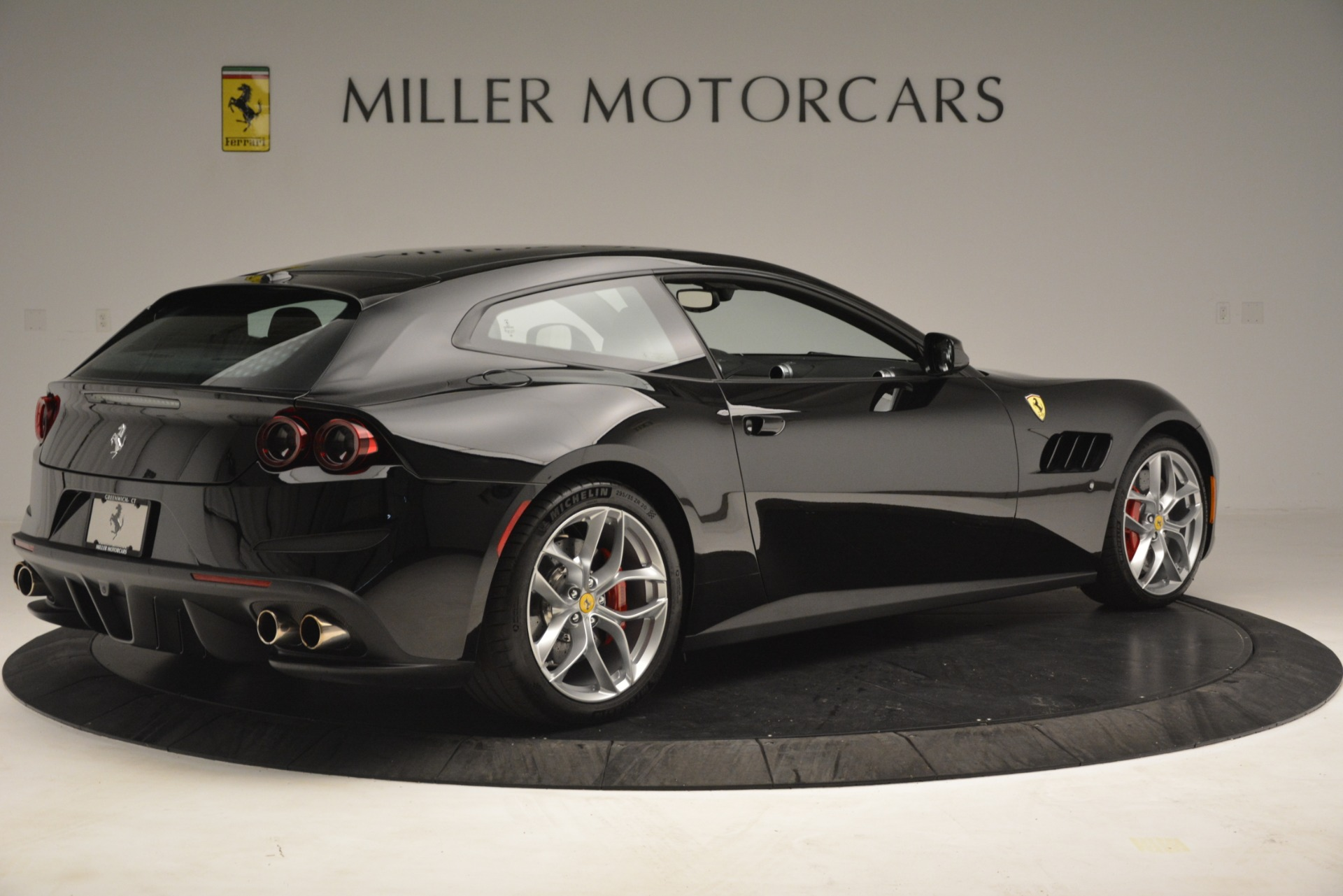 Used 2018 Ferrari GTC4Lusso T  For Sale In Greenwich, CT. Alfa Romeo of Greenwich, 4558 3125_p8