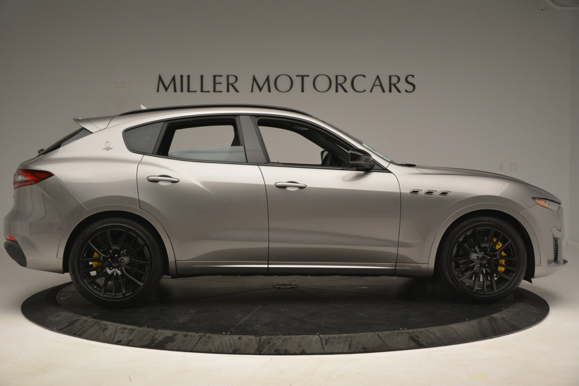 New 2019 Maserati Levante S Q4 GranSport For Sale In Greenwich, CT. Alfa Romeo of Greenwich, M2292 3126_p9
