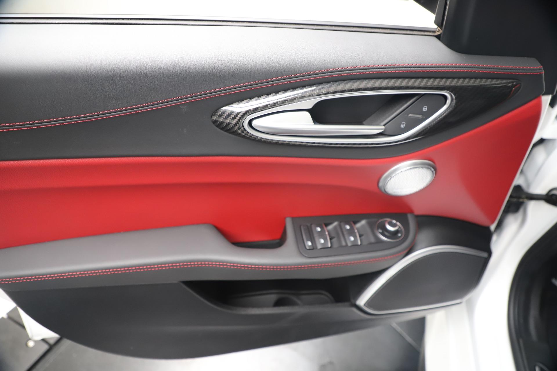 New 2019 Alfa Romeo Giulia Quadrifoglio For Sale In Greenwich, CT. Alfa Romeo of Greenwich, L615 3130_p17