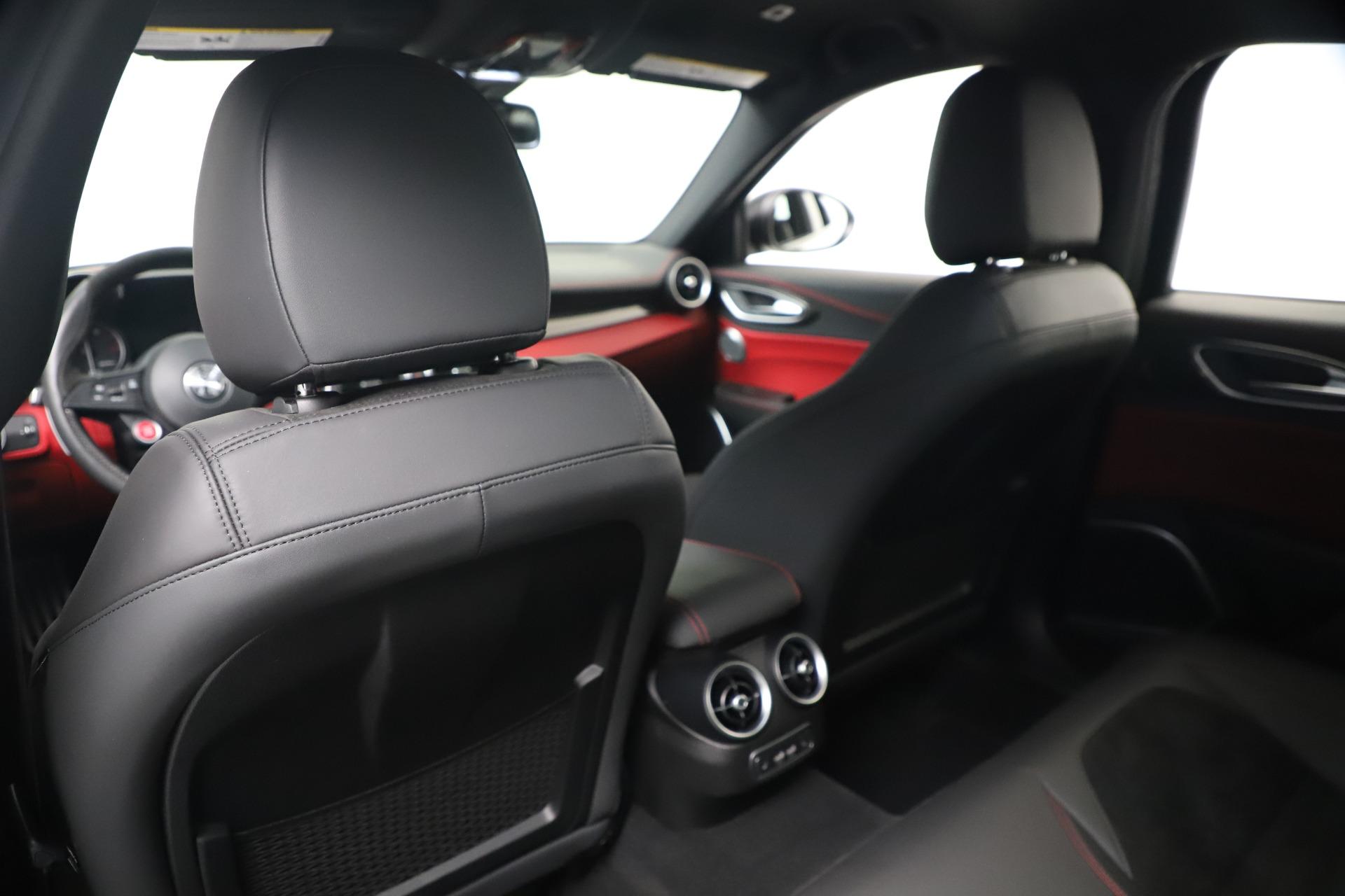 New 2019 Alfa Romeo Giulia Quadrifoglio For Sale In Greenwich, CT. Alfa Romeo of Greenwich, L615 3130_p20