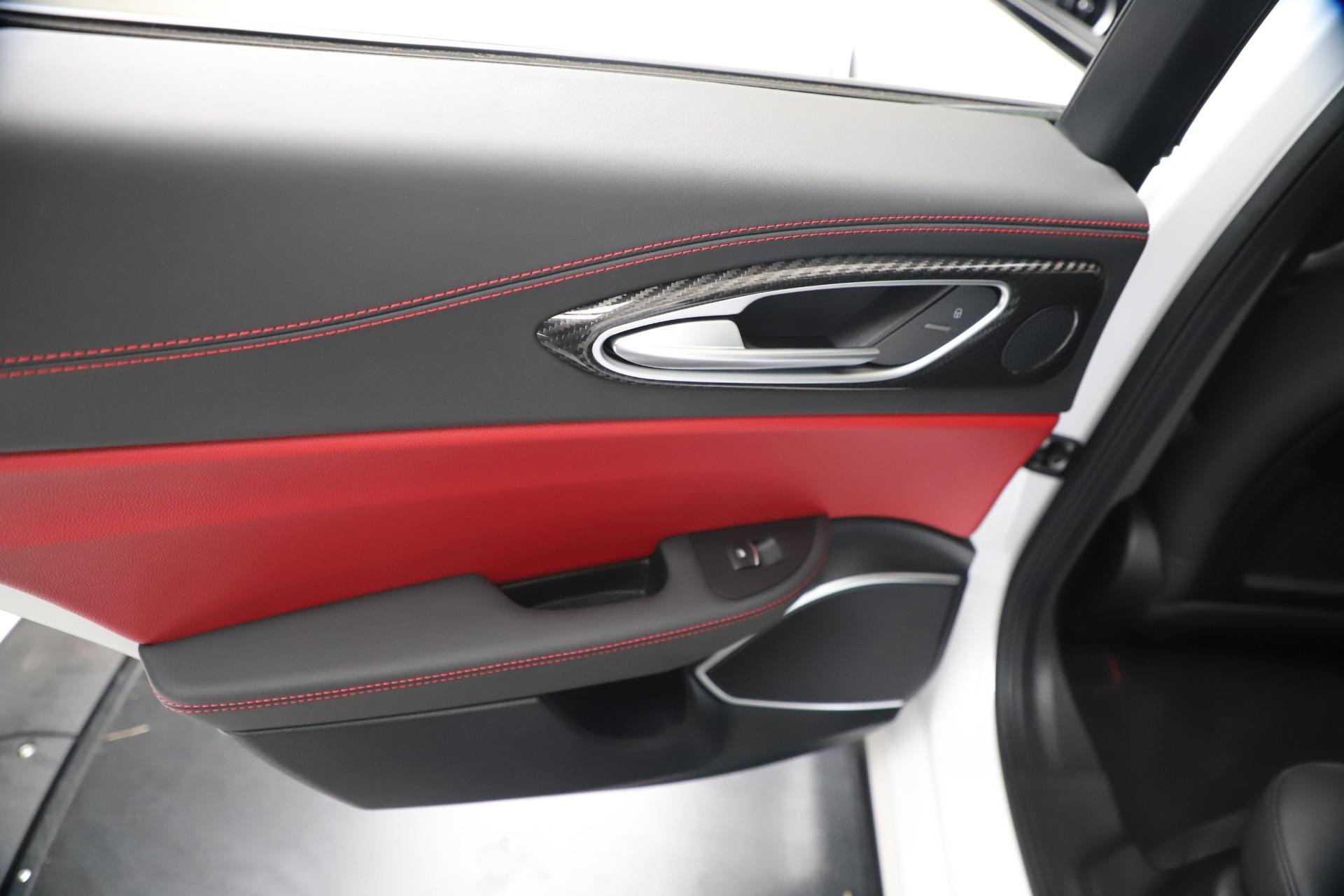 New 2019 Alfa Romeo Giulia Quadrifoglio For Sale In Greenwich, CT. Alfa Romeo of Greenwich, L615 3130_p21