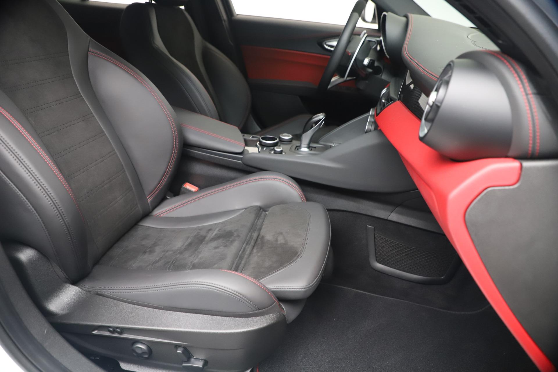 New 2019 Alfa Romeo Giulia Quadrifoglio For Sale In Greenwich, CT. Alfa Romeo of Greenwich, L615 3130_p24