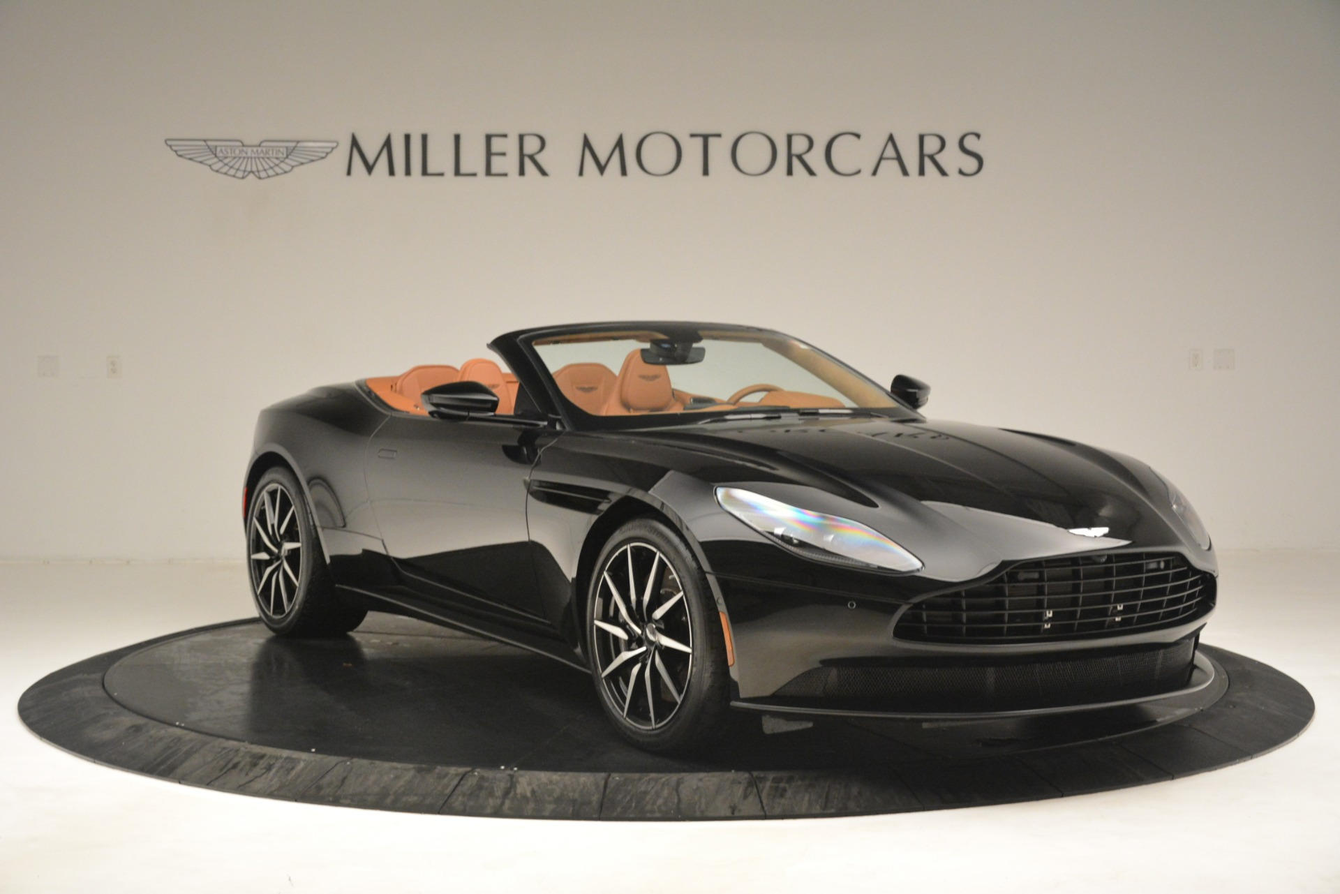 New 2019 Aston Martin DB11 V8 Convertible For Sale In Greenwich, CT. Alfa Romeo of Greenwich, A1327 3135_p11