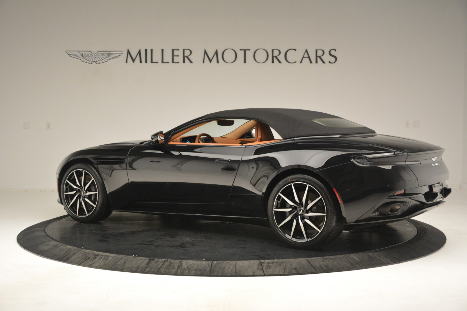 New 2019 Aston Martin DB11 V8 Convertible For Sale In Greenwich, CT. Alfa Romeo of Greenwich, A1327 3135_p15