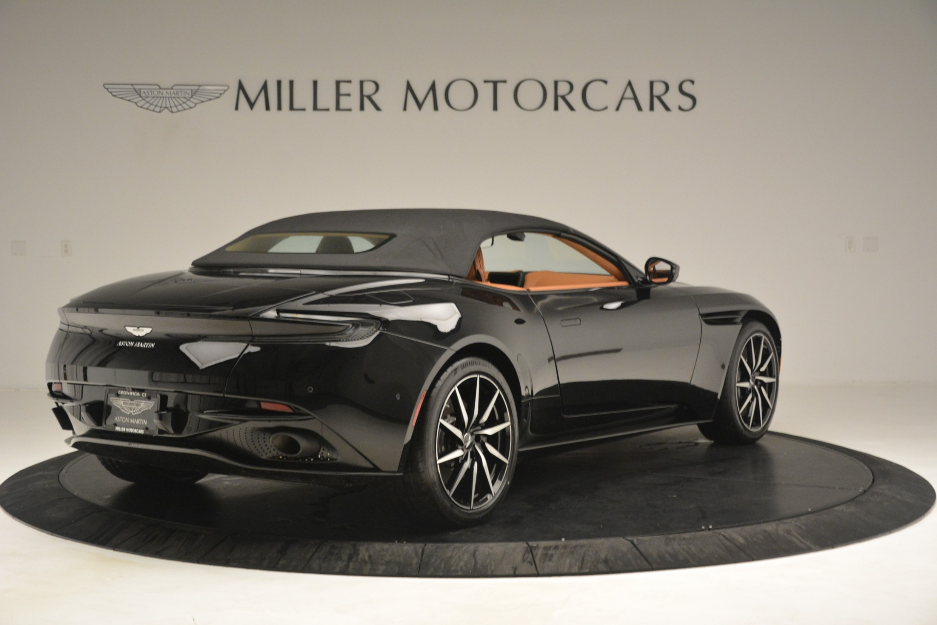 New 2019 Aston Martin DB11 V8 Convertible For Sale In Greenwich, CT. Alfa Romeo of Greenwich, A1327 3135_p16