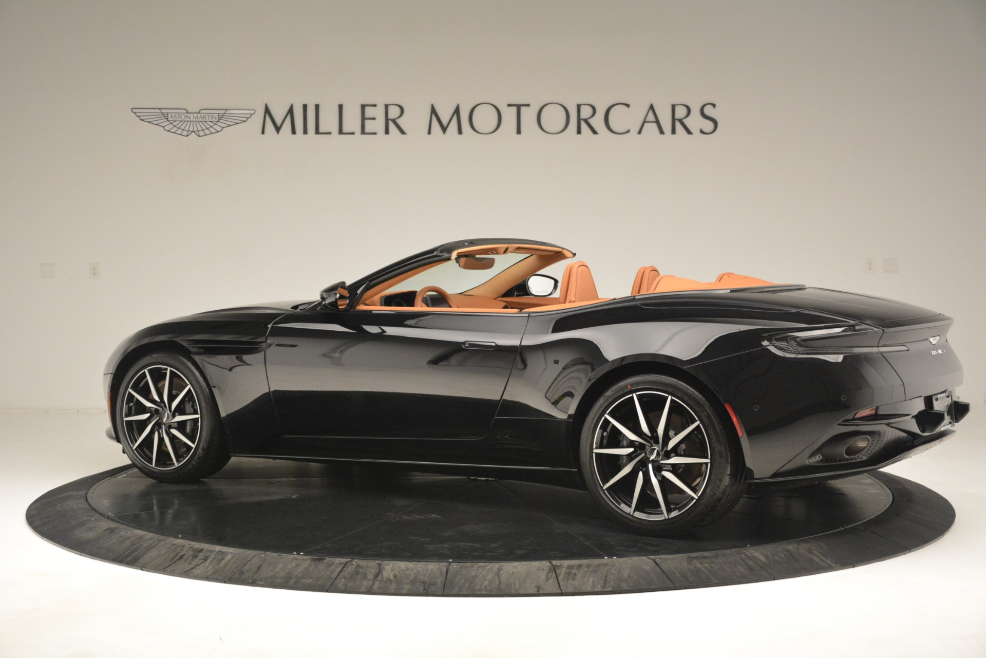 New 2019 Aston Martin DB11 V8 Convertible For Sale In Greenwich, CT. Alfa Romeo of Greenwich, A1327 3135_p4