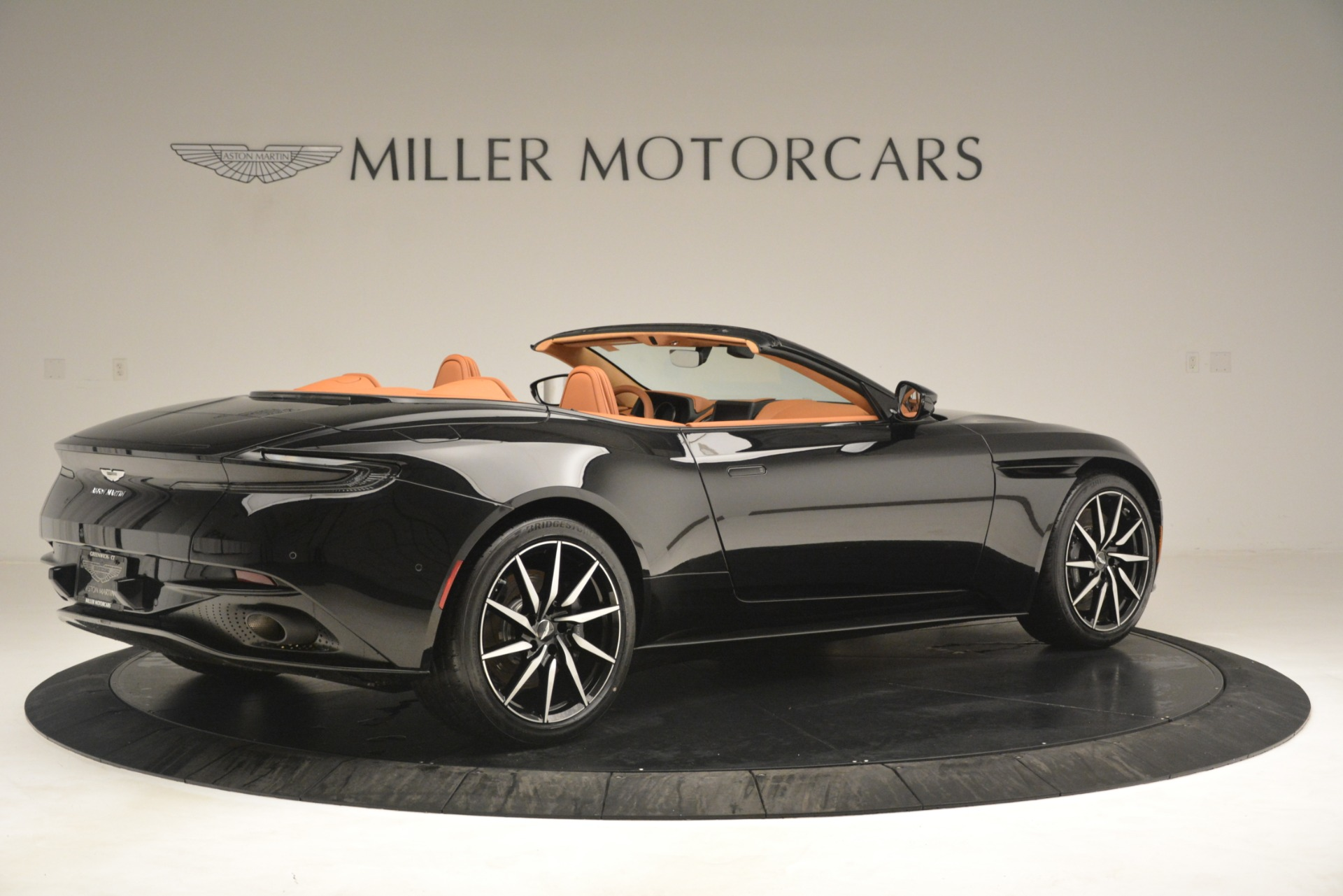New 2019 Aston Martin DB11 V8 Convertible For Sale In Greenwich, CT. Alfa Romeo of Greenwich, A1327 3135_p8