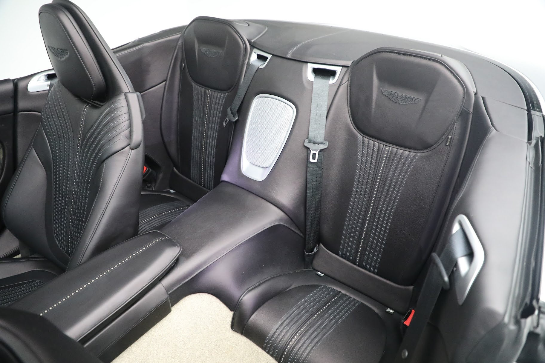 New 2019 Aston Martin DB11 V8 Convertible For Sale In Greenwich, CT. Alfa Romeo of Greenwich, A1312 3136_p21
