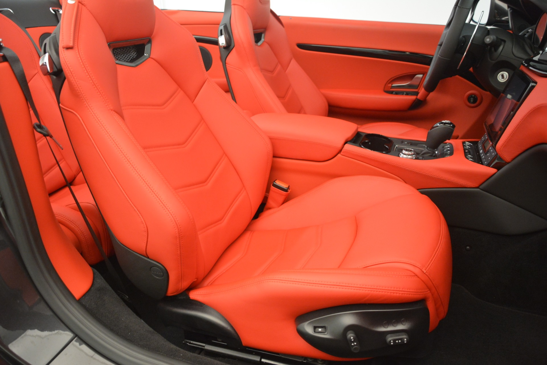 New 2018 Maserati GranTurismo Sport Convertible For Sale In Greenwich, CT. Alfa Romeo of Greenwich, M2294 3138_p34