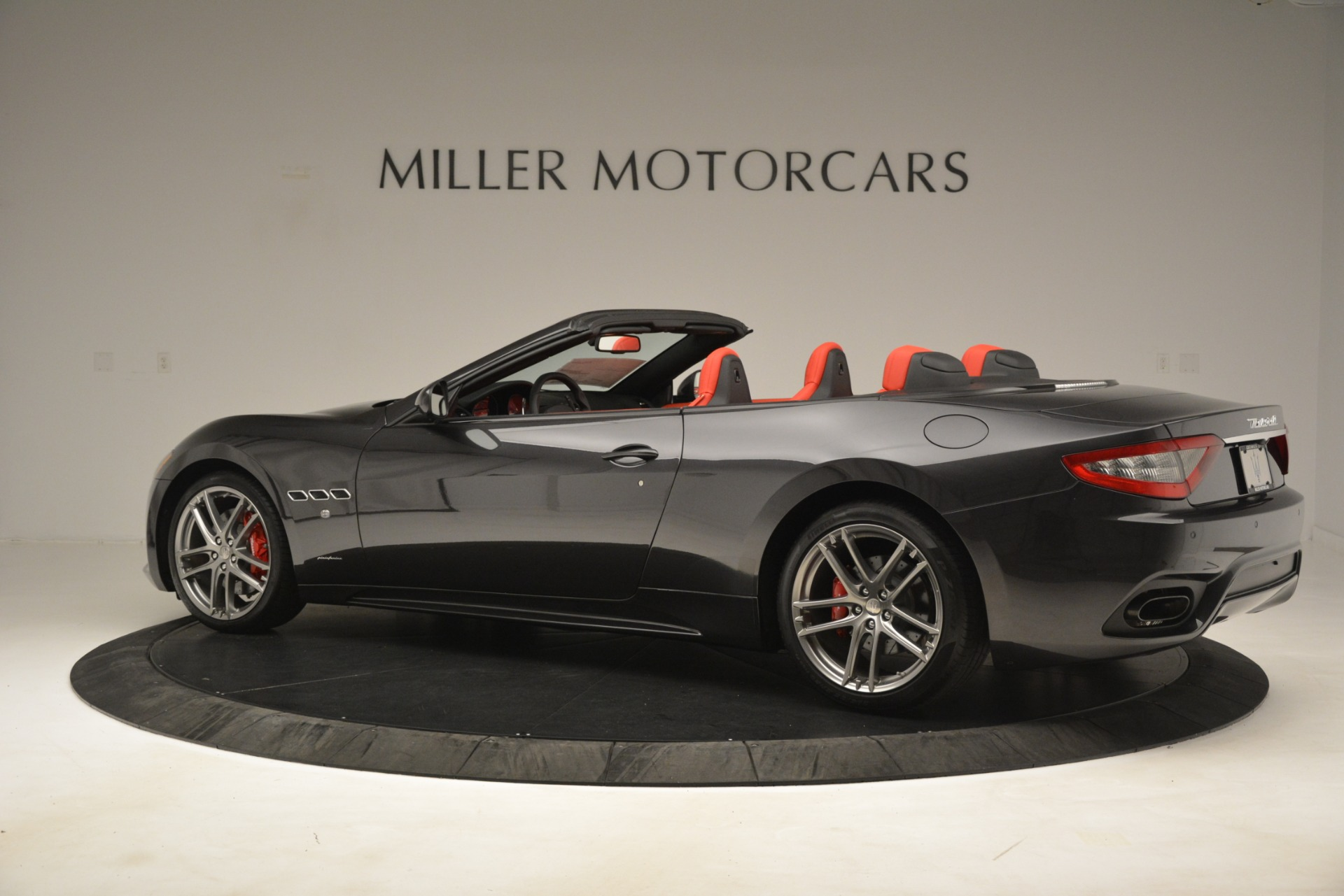 New 2018 Maserati GranTurismo Sport Convertible For Sale In Greenwich, CT. Alfa Romeo of Greenwich, M2294 3138_p7