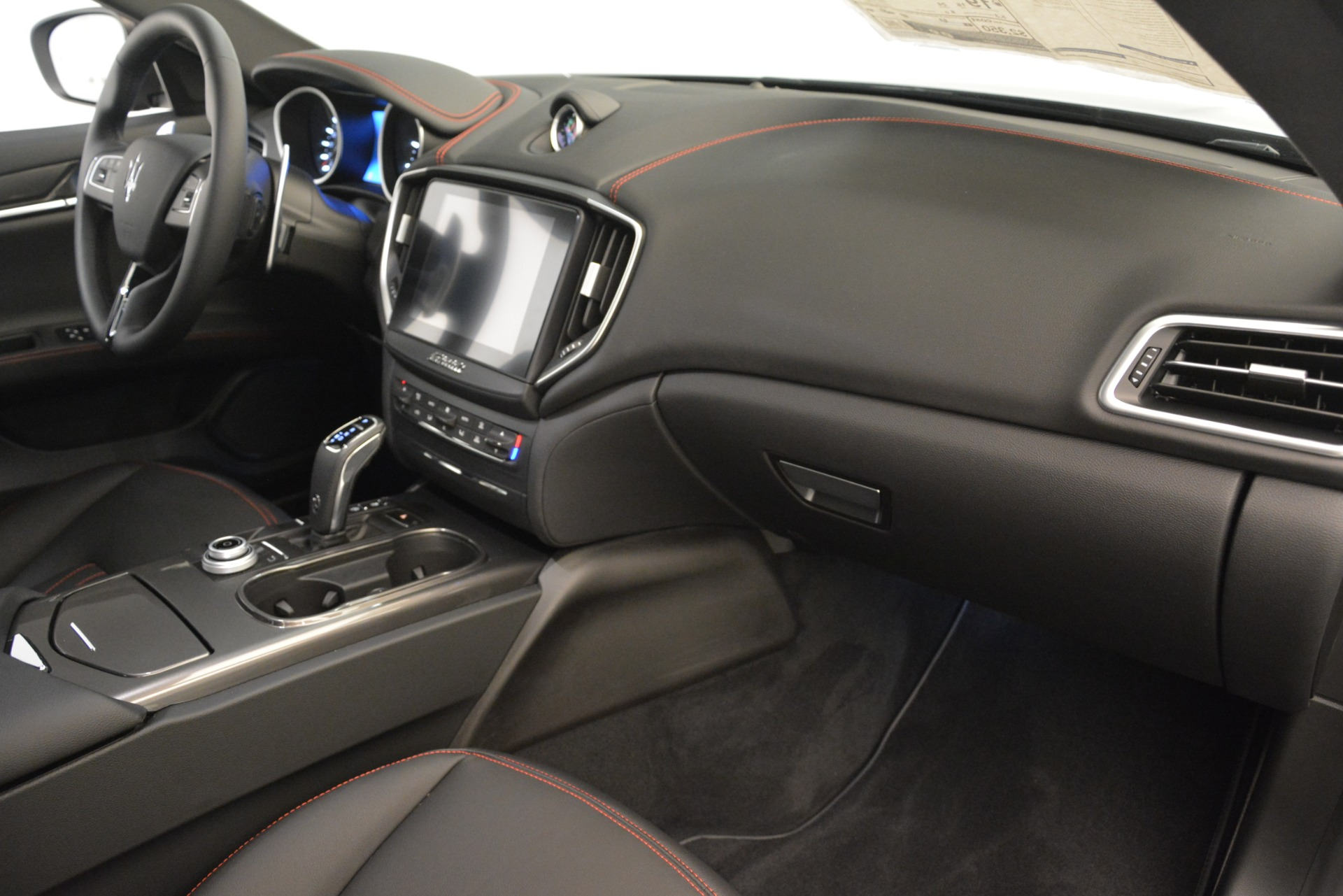 New 2019 Maserati Ghibli S Q4 For Sale In Greenwich, CT. Alfa Romeo of Greenwich, M2293 3139_p22