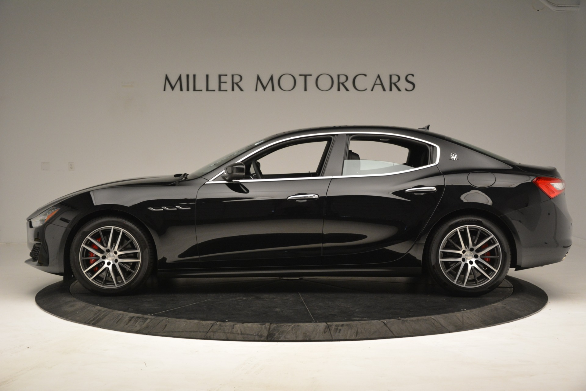 New 2019 Maserati Ghibli S Q4 For Sale In Greenwich, CT. Alfa Romeo of Greenwich, M2293 3139_p3