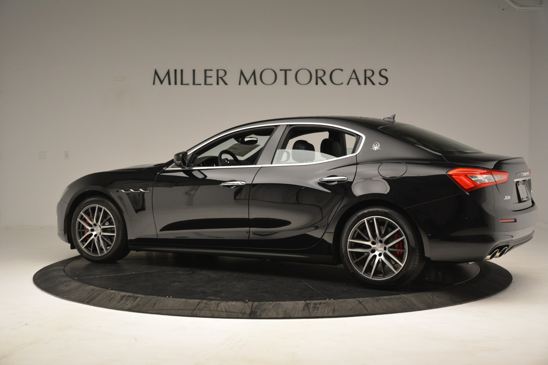 New 2019 Maserati Ghibli S Q4 For Sale In Greenwich, CT. Alfa Romeo of Greenwich, M2293 3139_p4