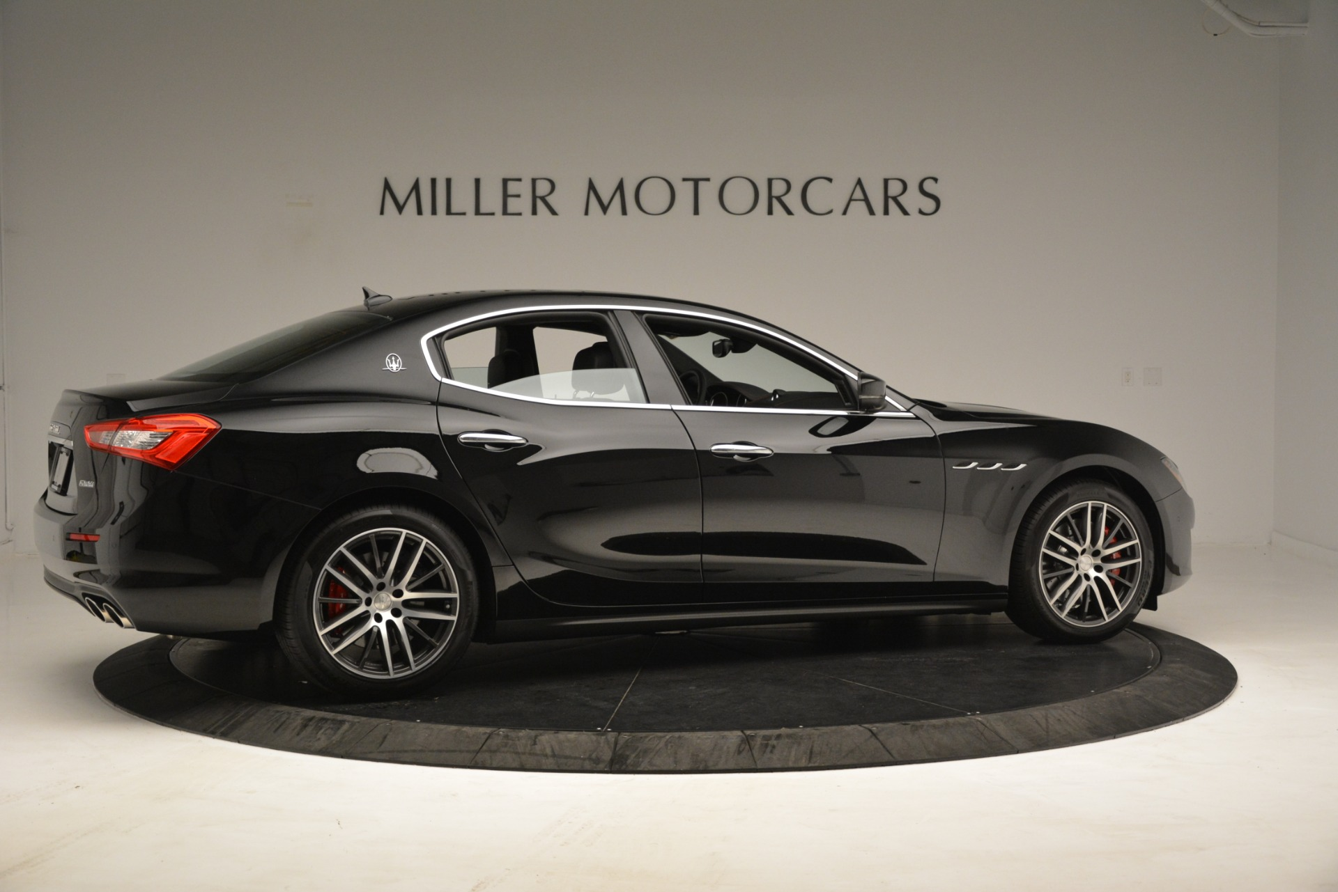 New 2019 Maserati Ghibli S Q4 For Sale In Greenwich, CT. Alfa Romeo of Greenwich, M2293 3139_p8