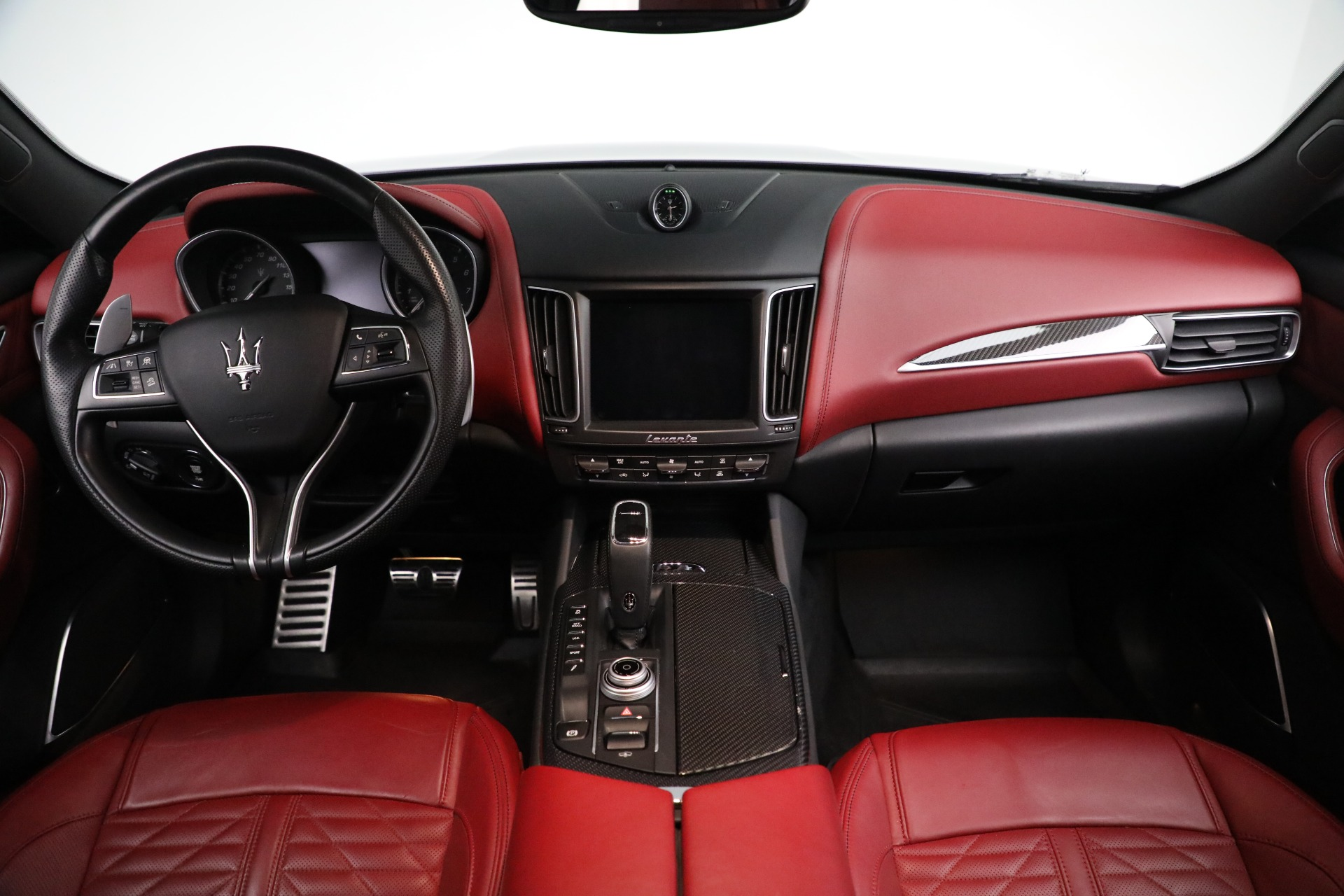New 2019 Maserati Levante S Q4 GranSport For Sale In Greenwich, CT. Alfa Romeo of Greenwich, M2297 3143_p16